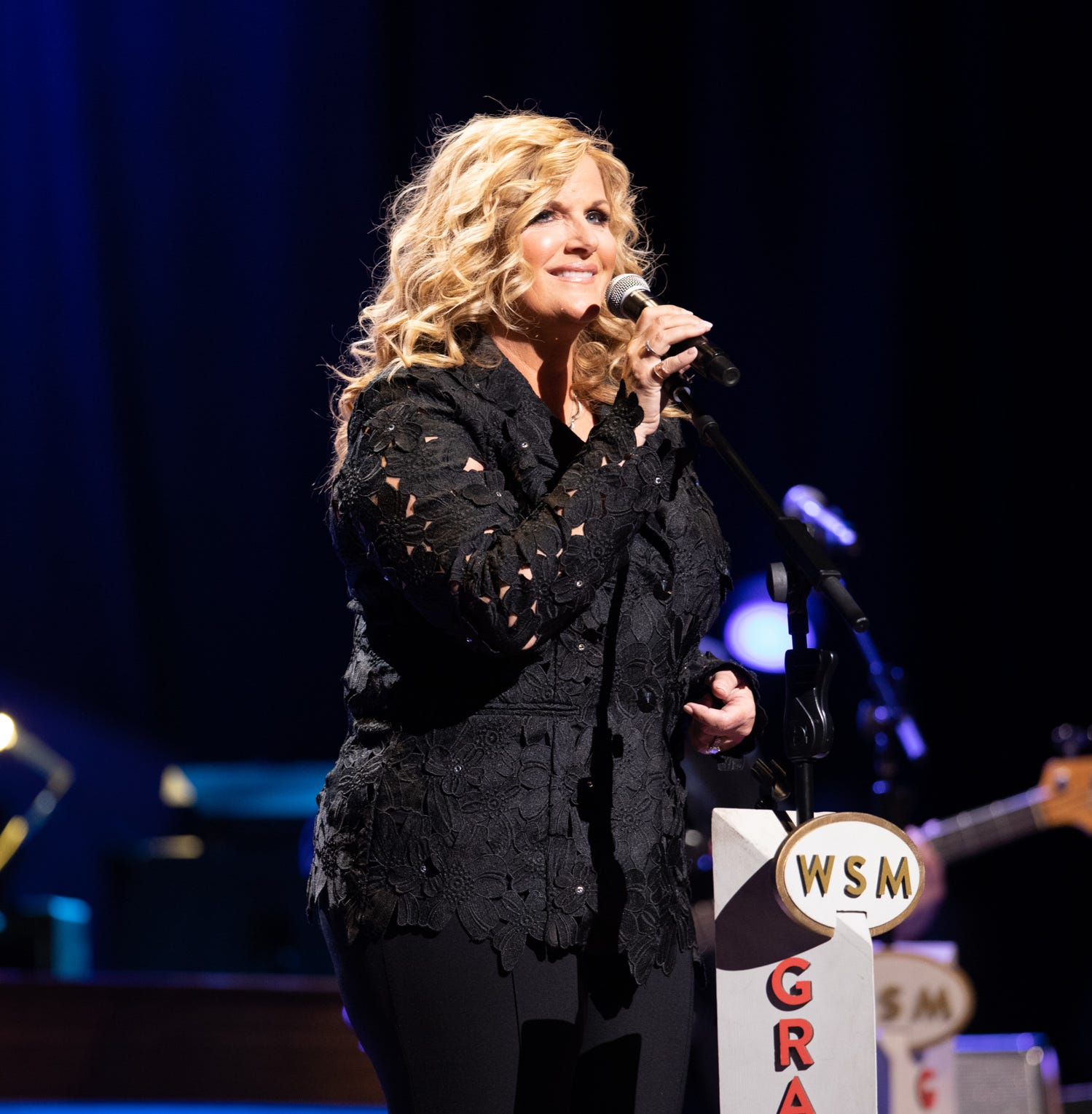 Watch: Trisha Yearwood wears Patsy Cline's necklace to celebrate her 20th Opry anniversary
