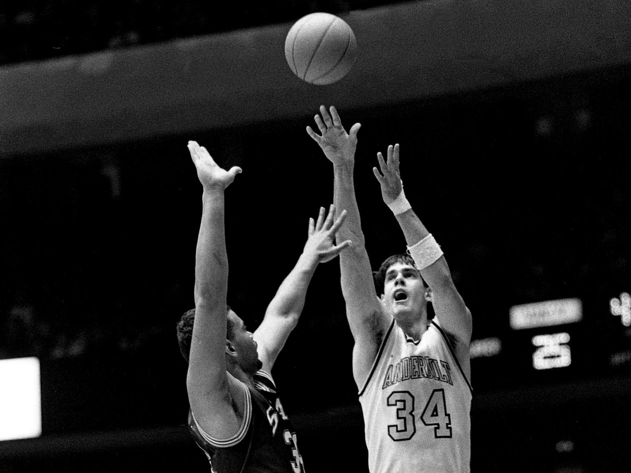 Vanderbilt senior Frank Kornet (34) takes a shot against Mississippi State in their 77-58 victory before 15,646 fans at Memorial Gym on March 1, 1989. Kornet, who played his last regular season game, led the team with 20 points.