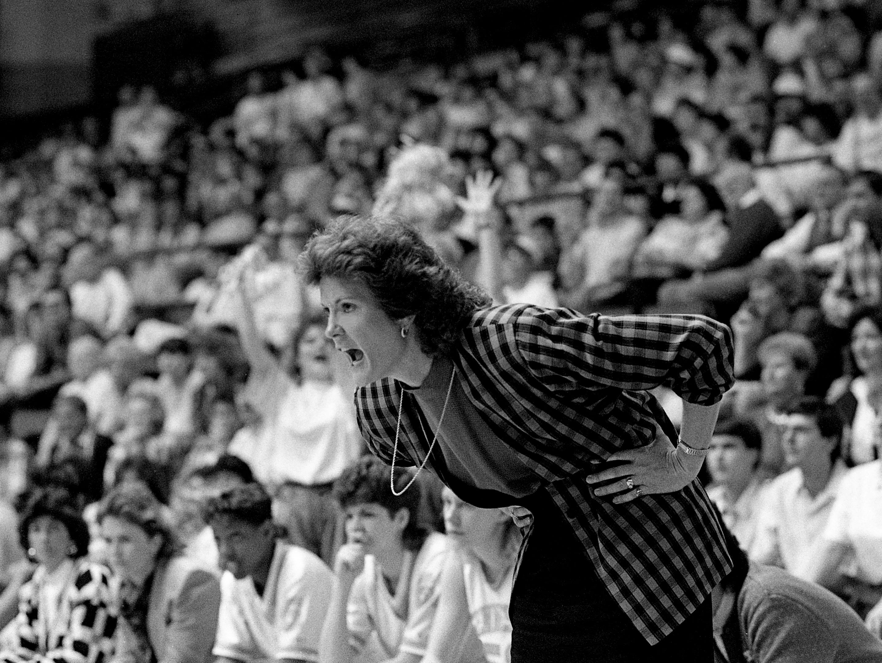 Tennessee head coach Pat Summitt expresses her feelings to her team during their 94-80 victory over Long Beach State in the NCAA East Regional championship game at Western Kentucky's Diddle Arena in Bowling Green, Kentucky, March 25, 1989.