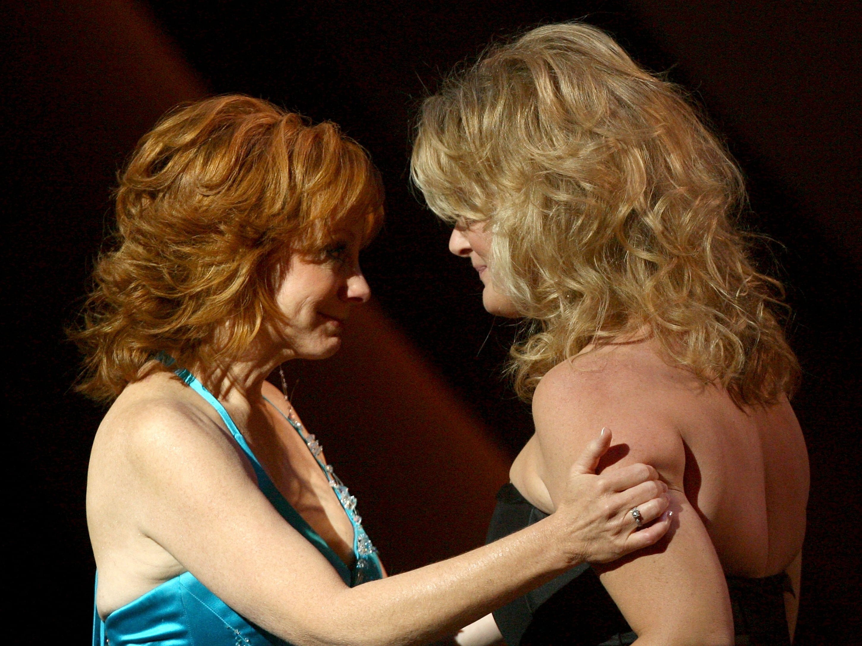 Reba McEntire (left) and Trisha Yearwood at the Country Music Television's CMT Giants honoring Reba McEntire at the Kodak Theatre on October 26, 2006 in Hollywood, California.