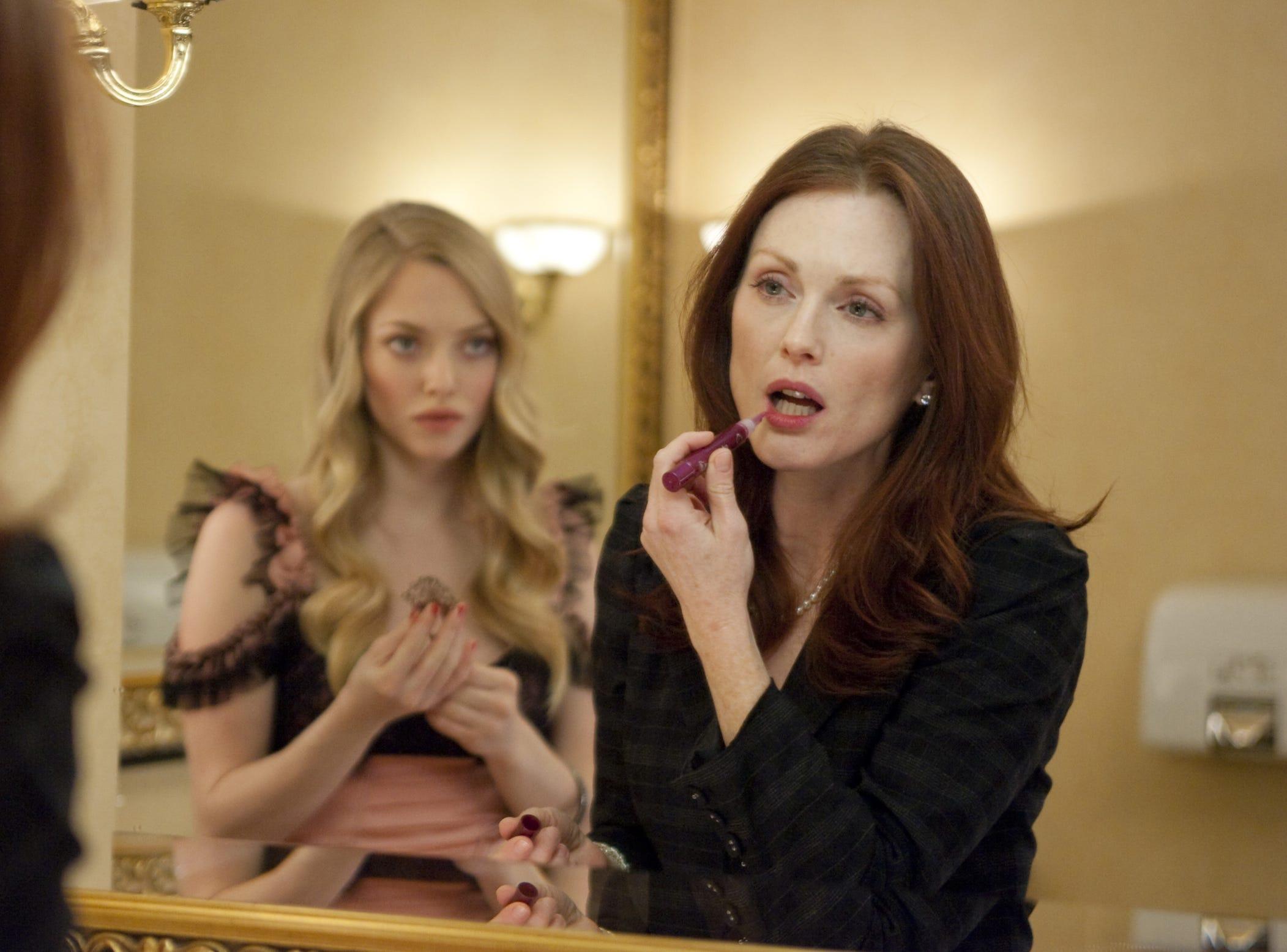 """Amanda Seyfried as Chloe and Julianne Moore as Catherine Stewart in """"Chloe."""""""