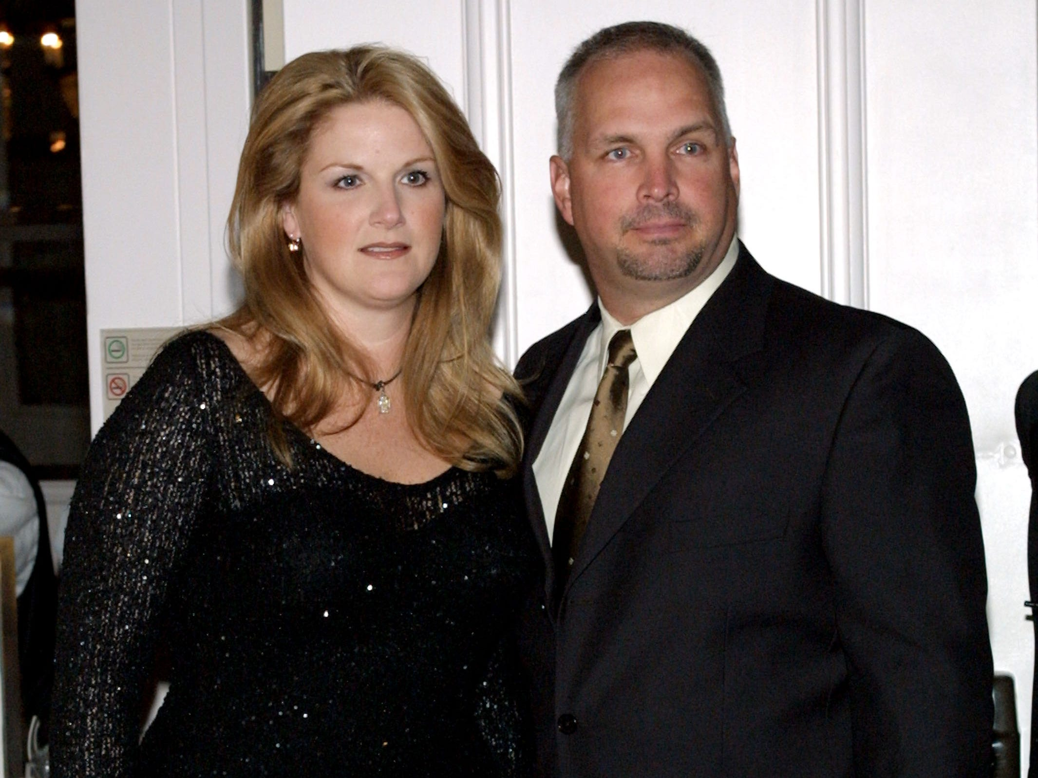 Garth Brooks and Trisha Yearwood attend the Gala Event Honoring columnist Army Archerd's 50th year at Daily Variety April 26, 2002 in Beverly Hills, CA.