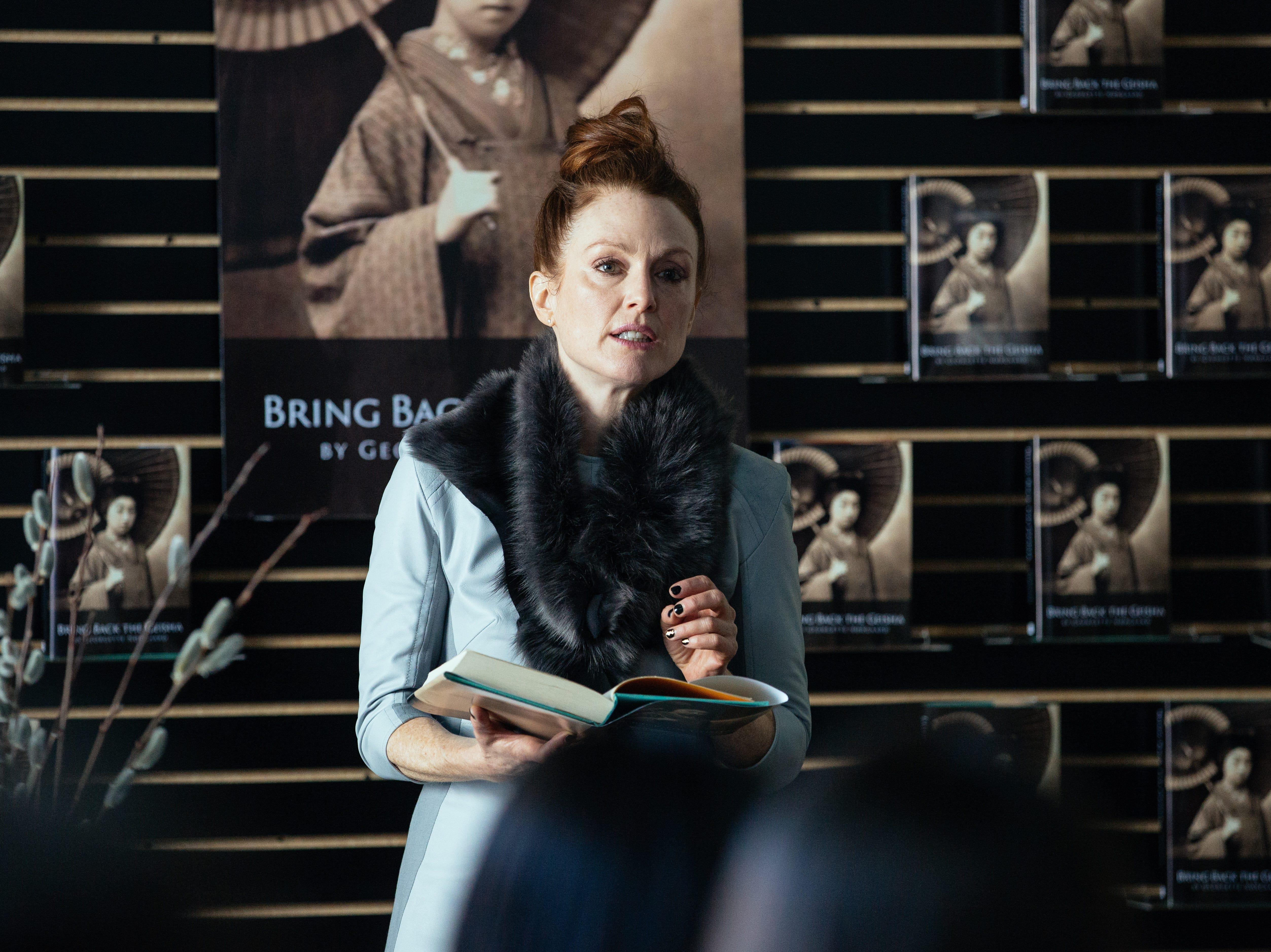 """Julianne Moore plays Georgette in """"Maggie's Plan."""""""