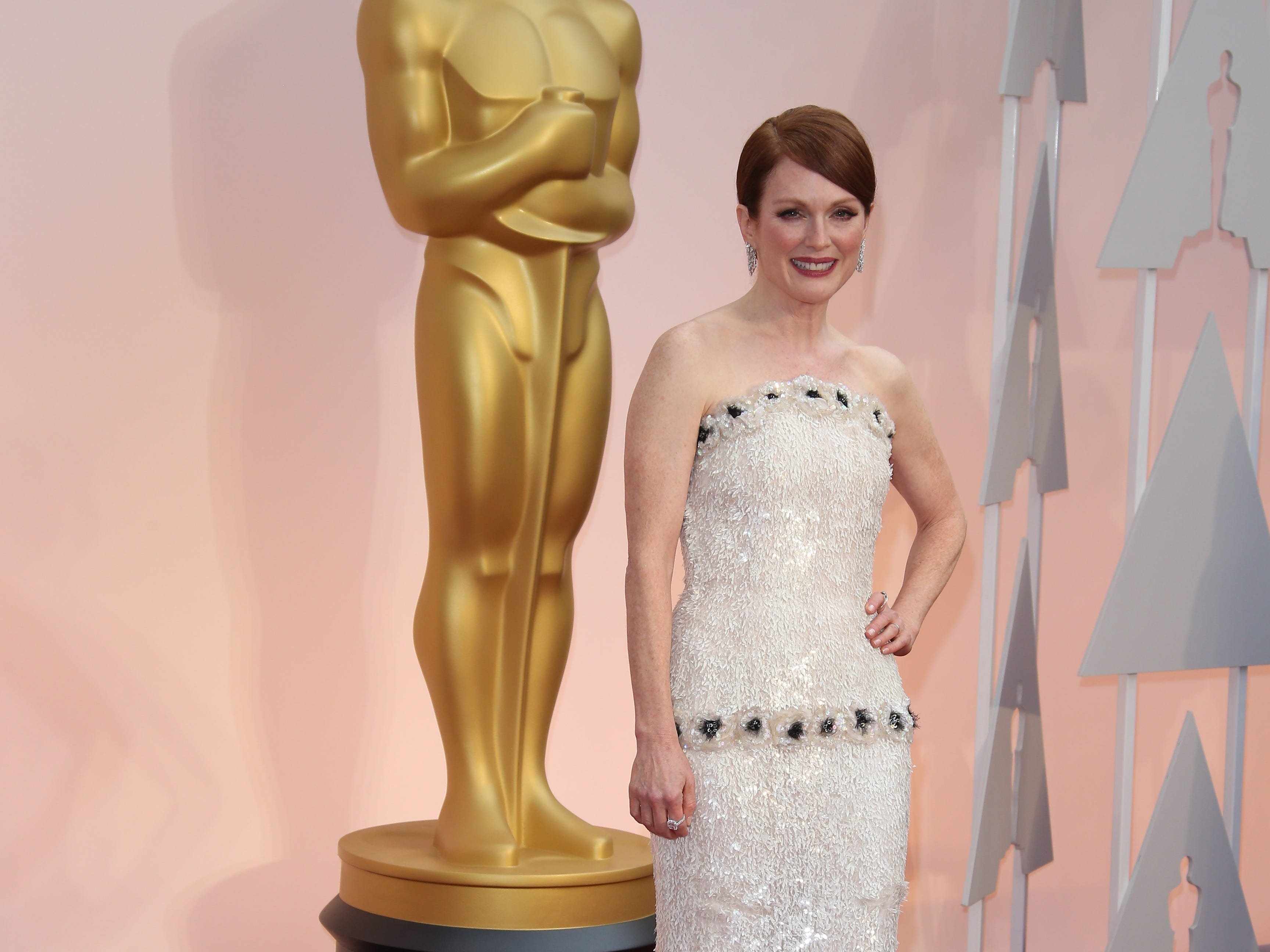 Julianne Moore arrives at the 87th annual Academy Awards at the Dolby Theatre in 2015.