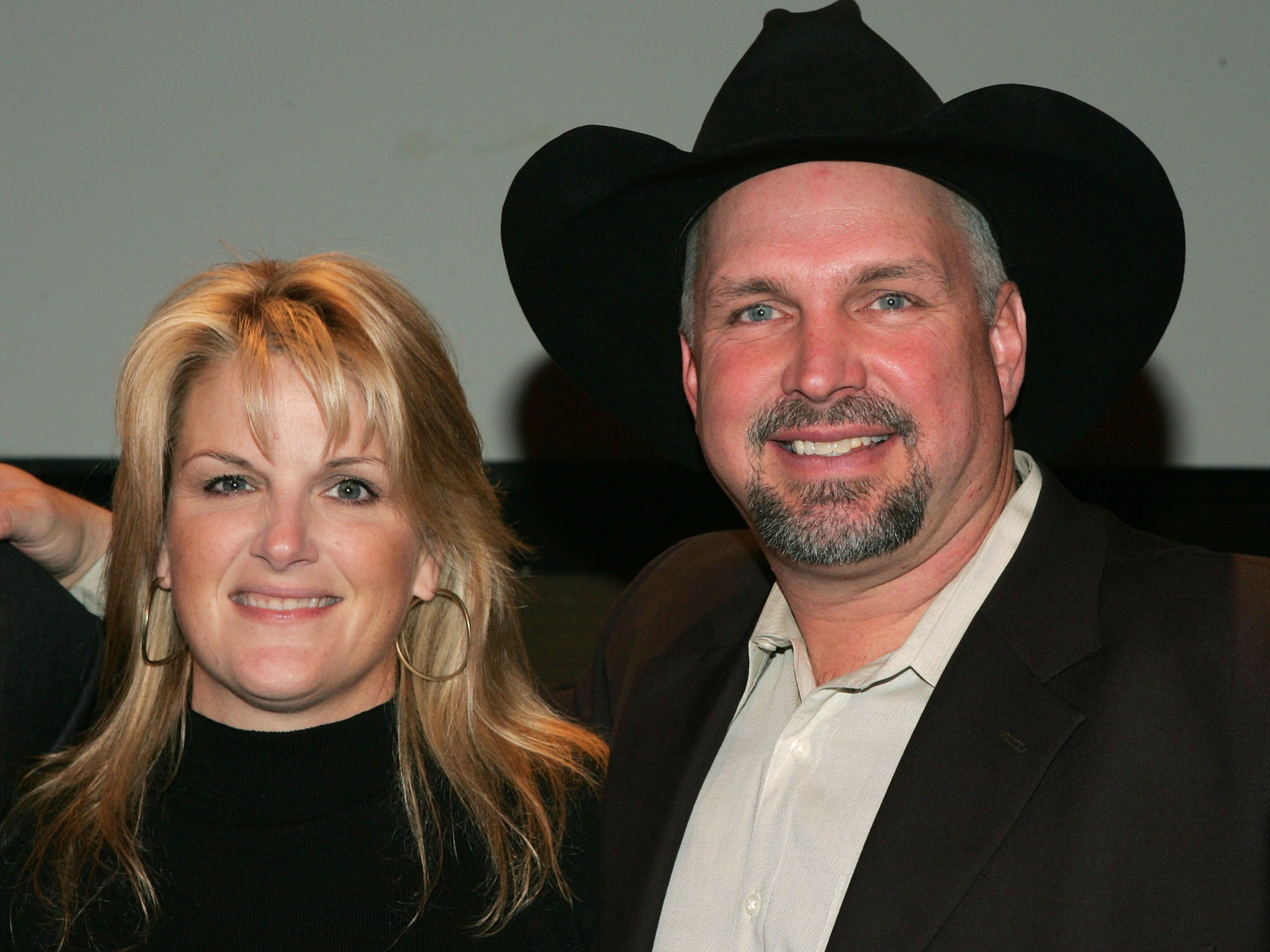 Trisha Yearwood and Garth Brooks attend the opening of The Zone, a therapeutic play and education enviroment at Mount Sinai Hospital February 7, 2006 in New York City.  (Photo by Peter Kramer/Getty Images)