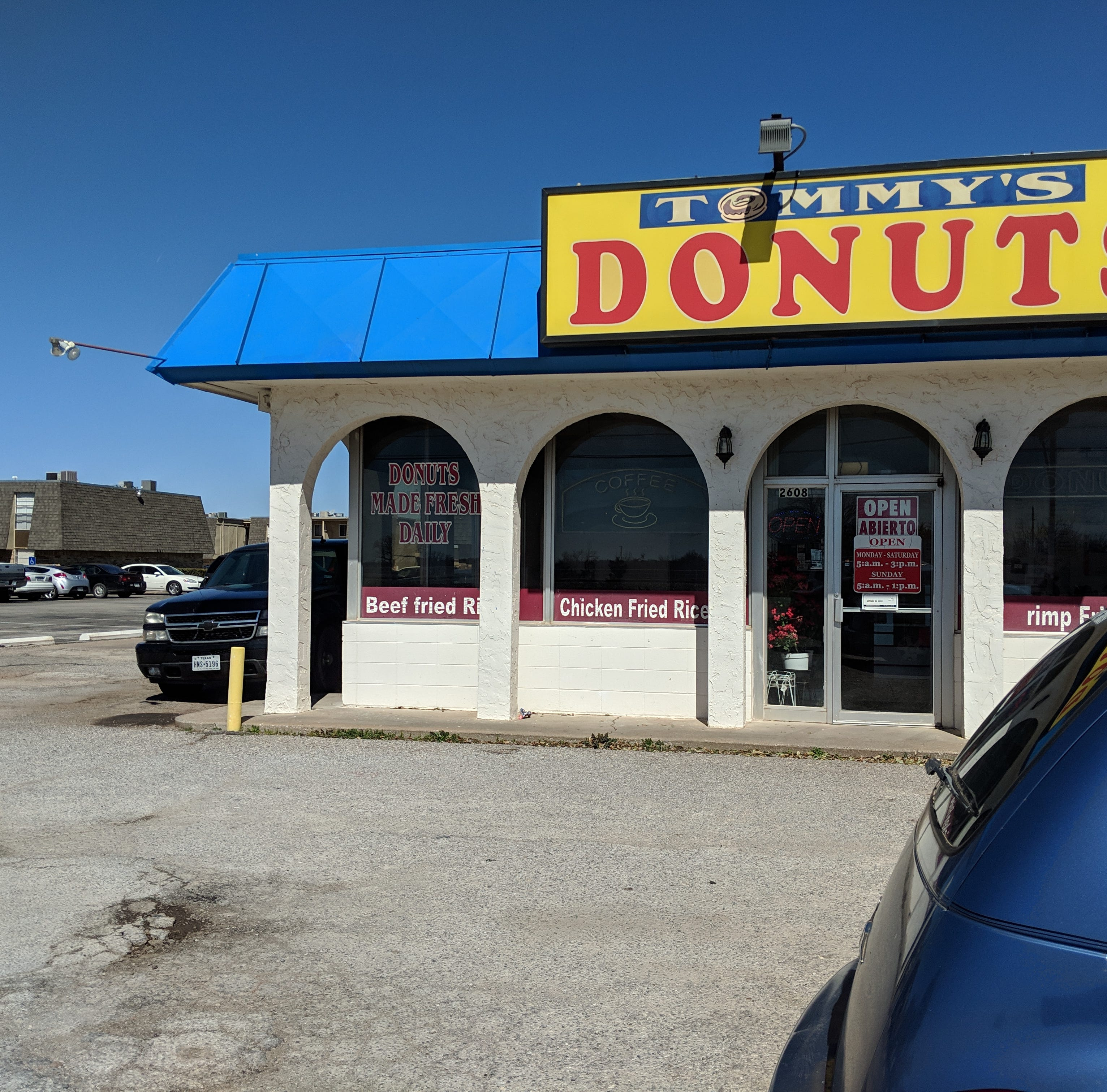 Tommy's Donuts serves up wonderful fried rice and donuts