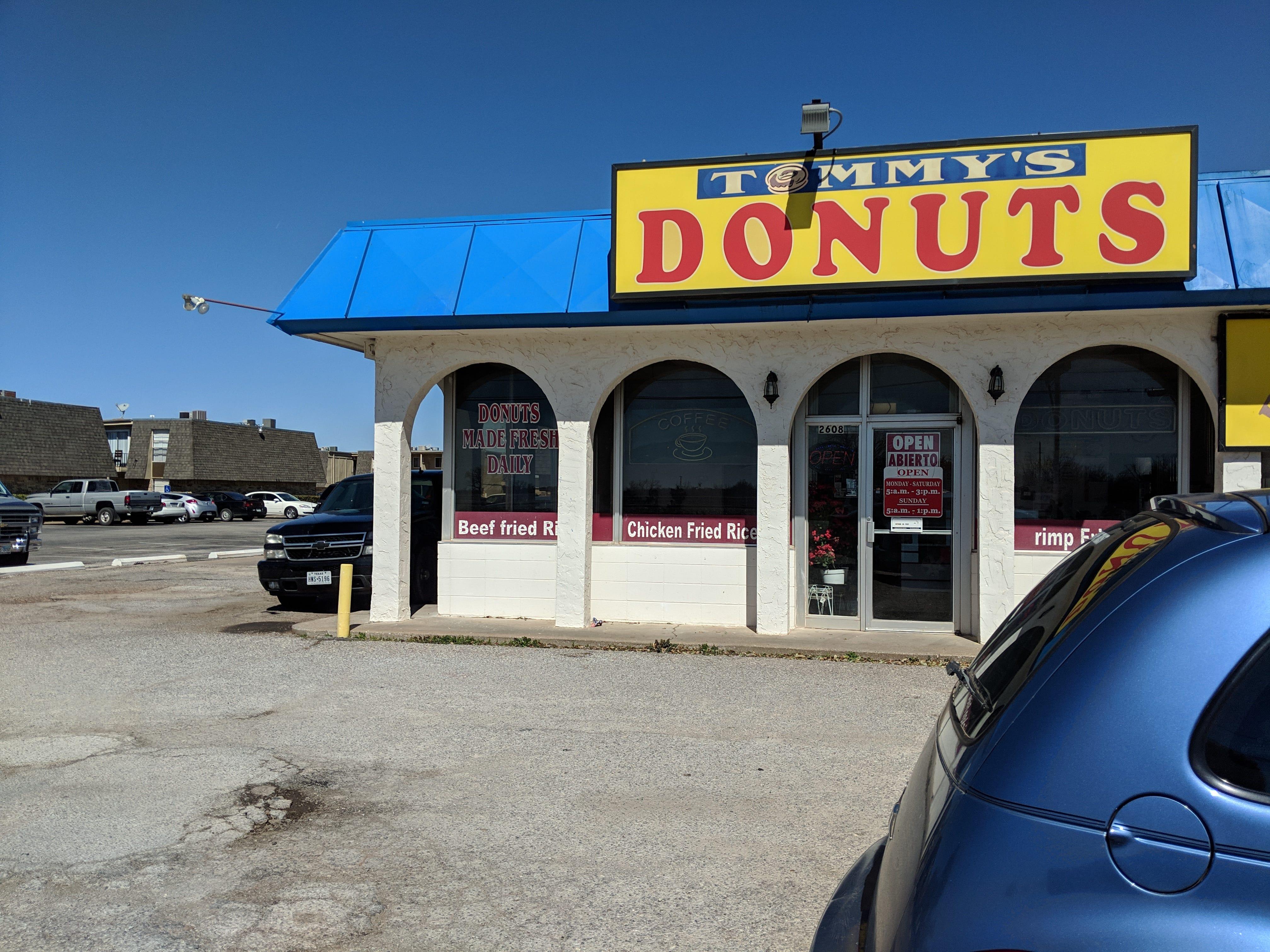 Outside Tommy's Donut.