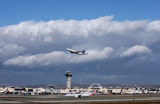 United pilot charged with failing alcohol test in Scotland