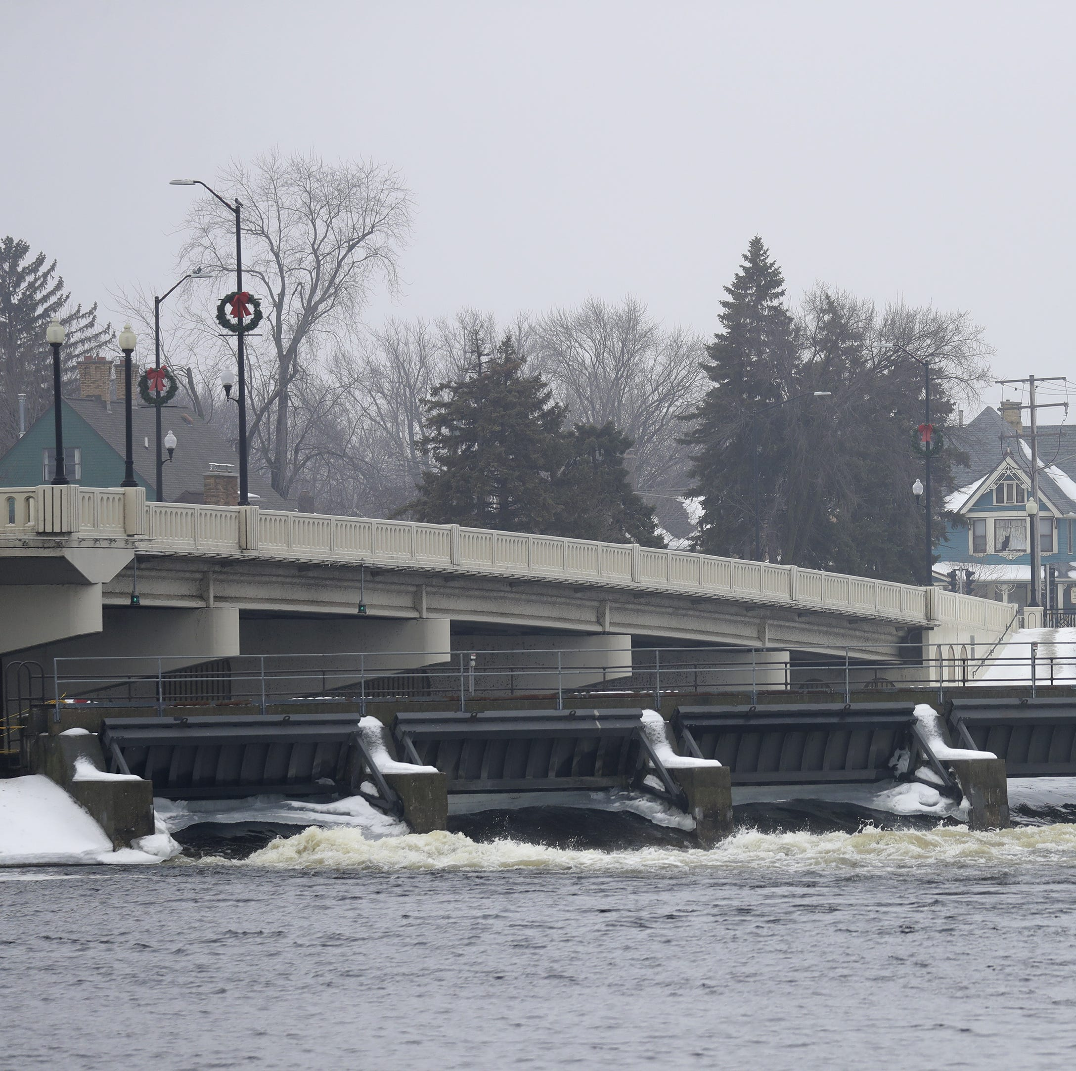 Dams on Lake Winnebago don't influence flooding upstream on the Wolf River