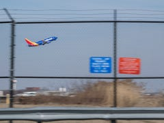 With order to ground Boeing 737 Max jets, how will Newark and Philly airports be affected?