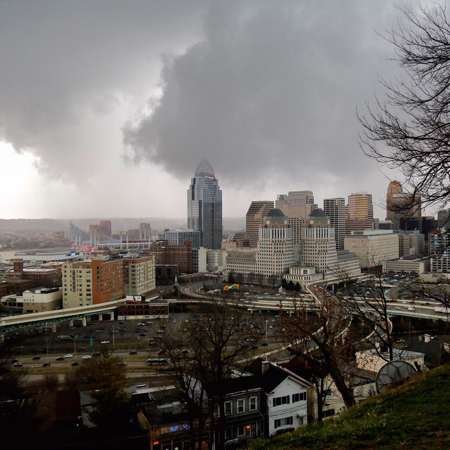 Tornado warning has passed for Cincinnati area, Weather Service says. Thousands without power