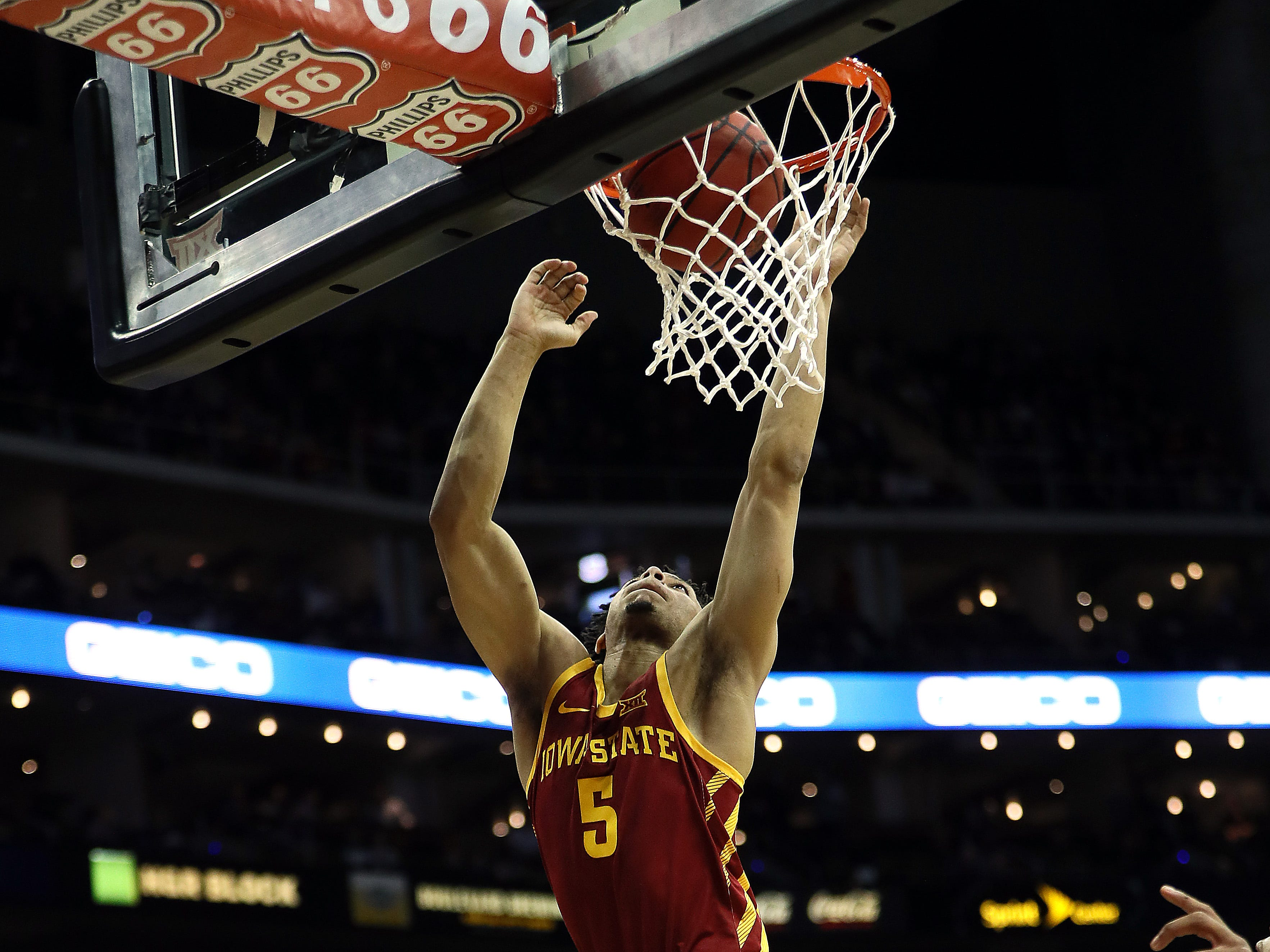 KANSAS CITY, MISSOURI - MARCH 14:  Lindell Wigginton #5 of the Iowa State Cyclones scores during the quarterfinal game of the Big 12 Basketball Tournament against the Baylor Bears at Sprint Center on March 14, 2019 in Kansas City, Missouri. (Photo by Jamie Squire/Getty Images)