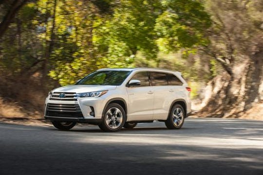 The Toyota Highlander hybrid is the green car likeliest to reach 200,00 miles, according to iseecars.com