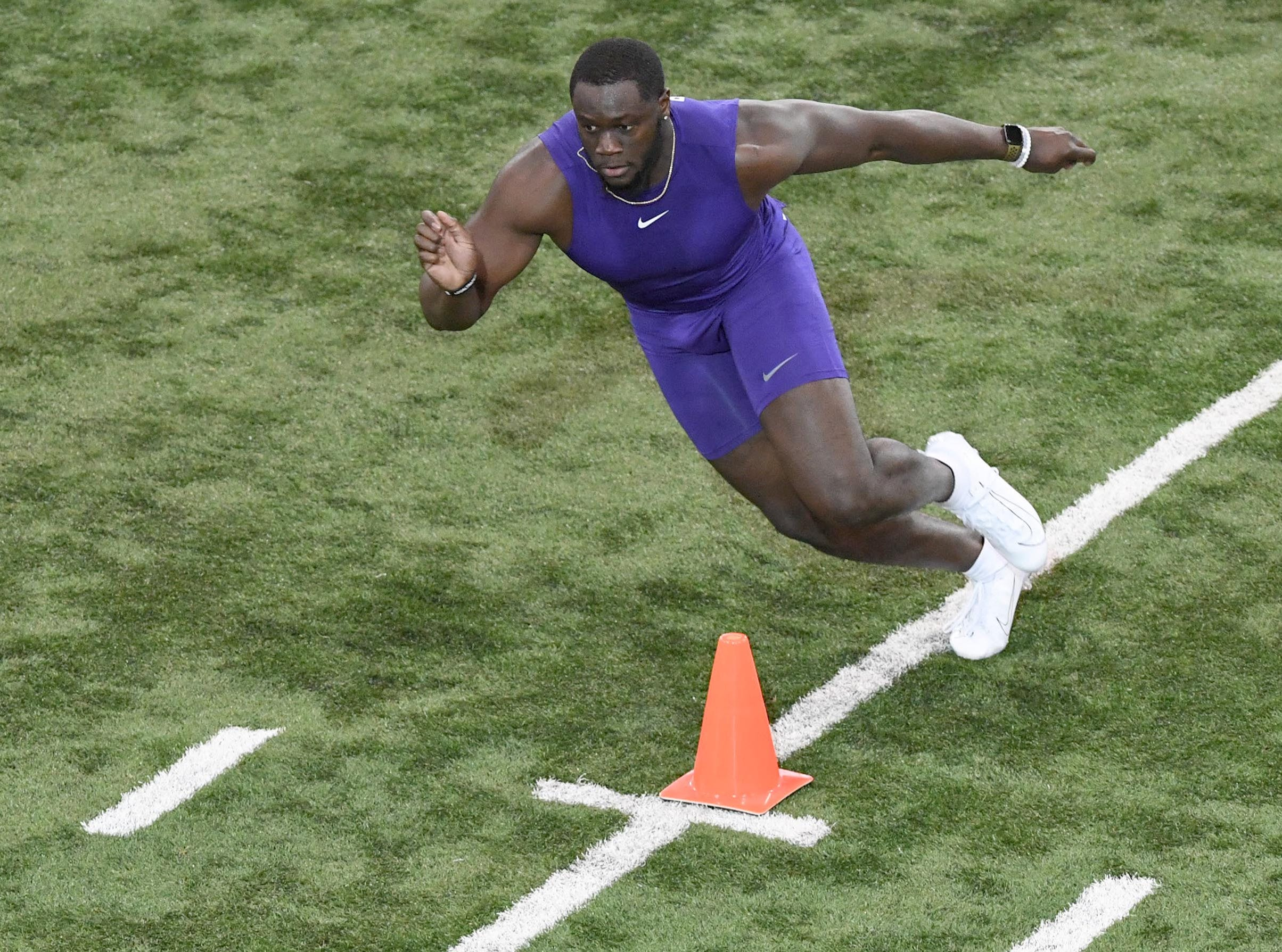 Tight end Milan Richard runs during Clemson pro day at the Poe Indoor Facility in Clemson Thursday, March 14, 2019.