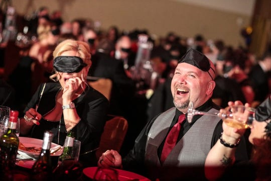 This will be the ninth year in a row that Bosma Enterprises has hosted a Dining in the Dark gala dinner, building on the event's past success. This year, the dinner will have a special theme: An Evening at the Derby