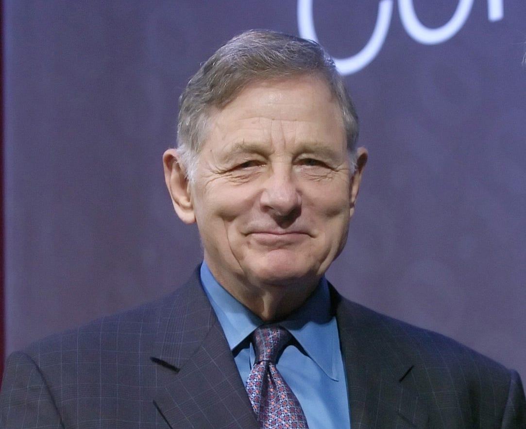 Birch Bayh, former Indiana Senator, Title IX author, dies at 91