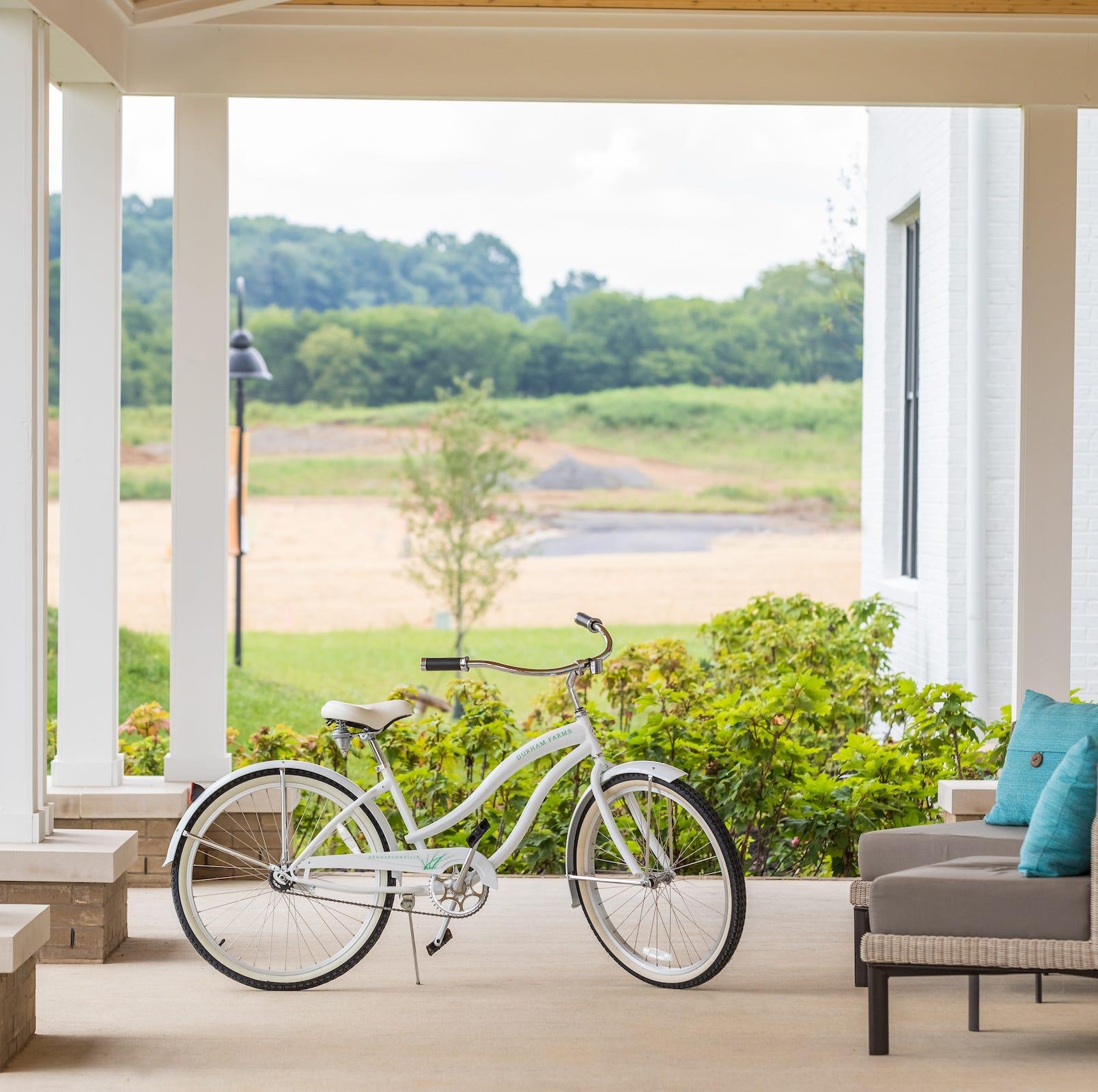 Real estate: New neighborhoods keep focus on 'neighbors'