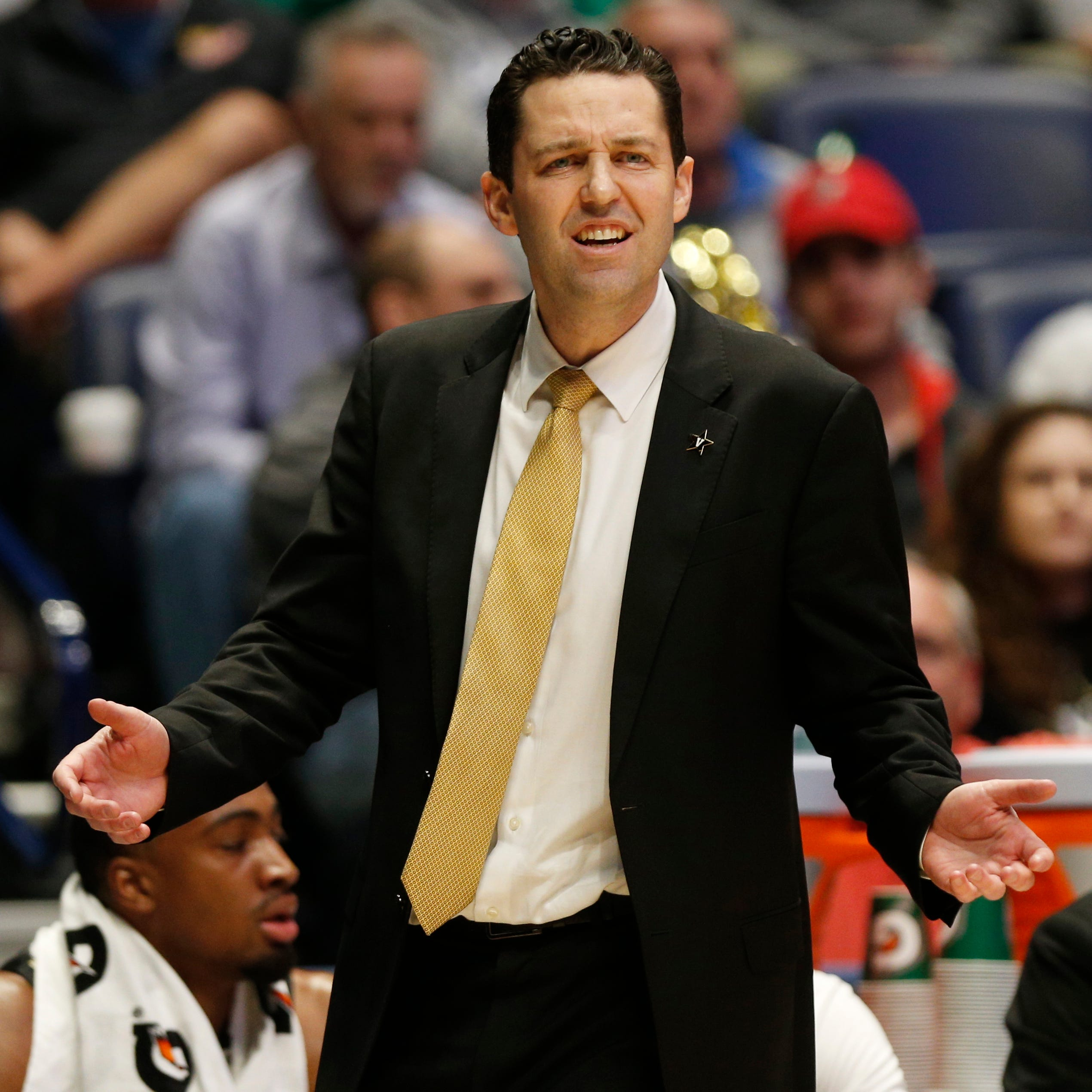 Vanderbilt paid Bryce Drew $2 million one year before 20-game losing streak began