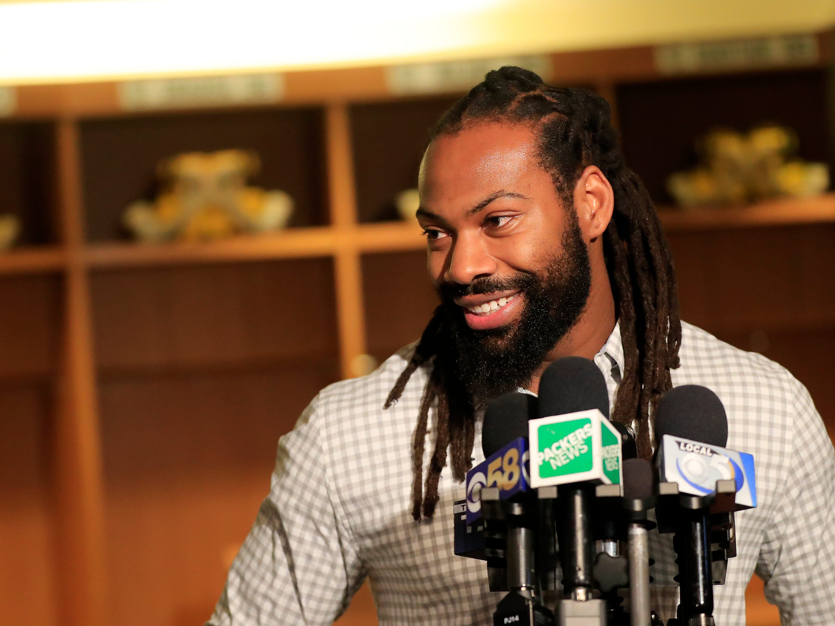 Green Bay Packers edge rusher Za'Darius Smith talks to members of the media at Lambeau Field on Thursday, March 14, 2019 in Green Bay, Wis.