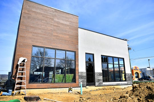 MOD Pizza is under construction on East Market Street in Springettsbury Township, Thursday, March 14, 2019. Dawn J. Sagert photo