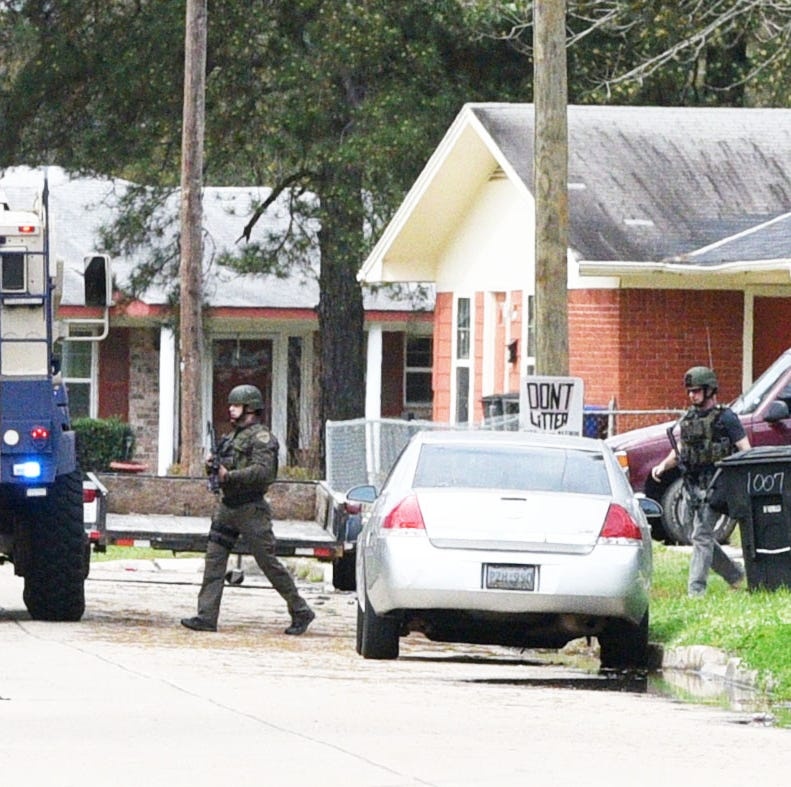 Standoff ends with suspect and Texas man dead