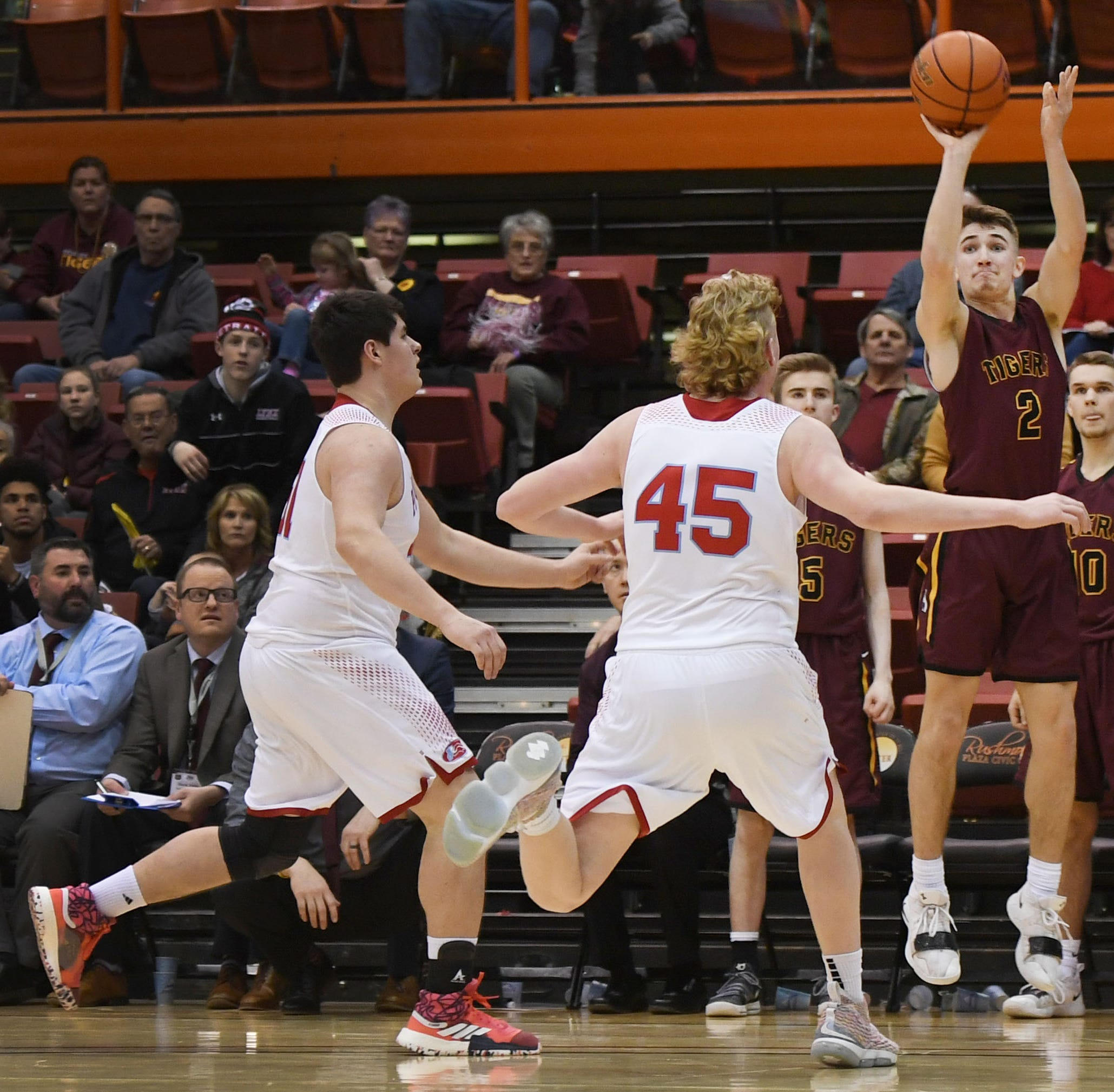 Nick Hoyt's late 3 leads No. 8 Harrisburg to upset of No. 1 Lincoln