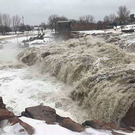 Mayor to sign emergency declaration, close Falls Park due to flooding