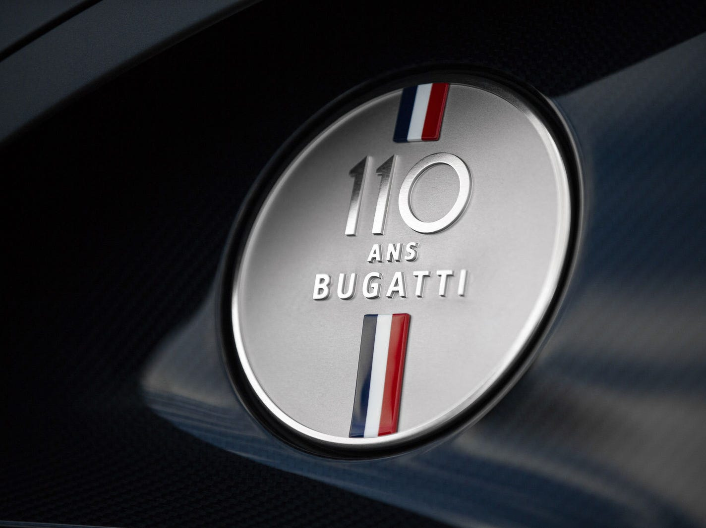 The Baby II also features a Bugatti badge made of silver.
