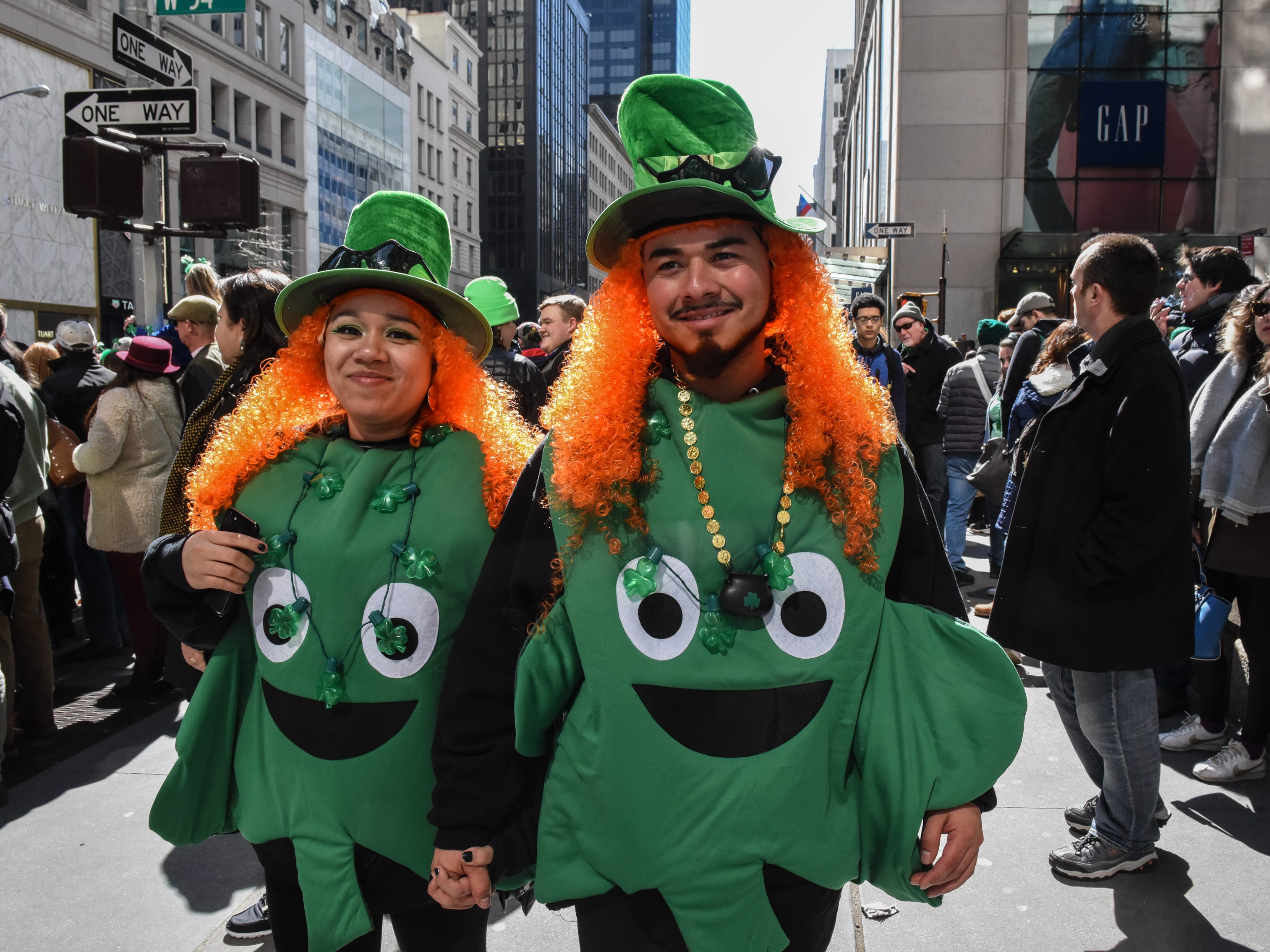 NEW YORK, NY - MARCH 17: People participate on the sidelines of the annual St. Patrick's Day parade along 5th Ave. on March 17, 2018 in New York City. New York's Saint Patrick's Day parade is the largest in the world. (Photo by Stephanie Keith/Getty Images) ORG XMIT: 775141848 ORIG FILE ID: 933084024