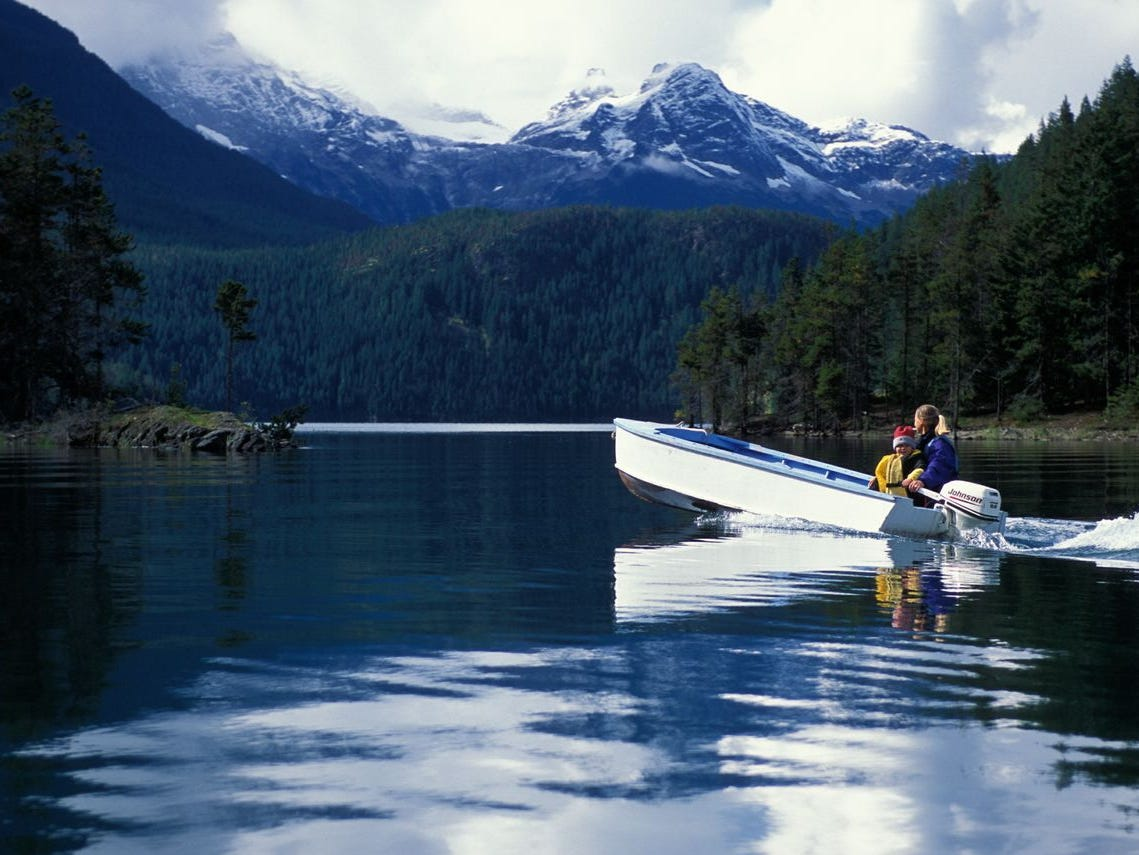 Ross Lake Resort (North Cascades National Park Complex, Washington). Ross Lake Resort consists of cabins built on floating docks cabled to huge cedar logs. [Via MerlinFTP Drop]