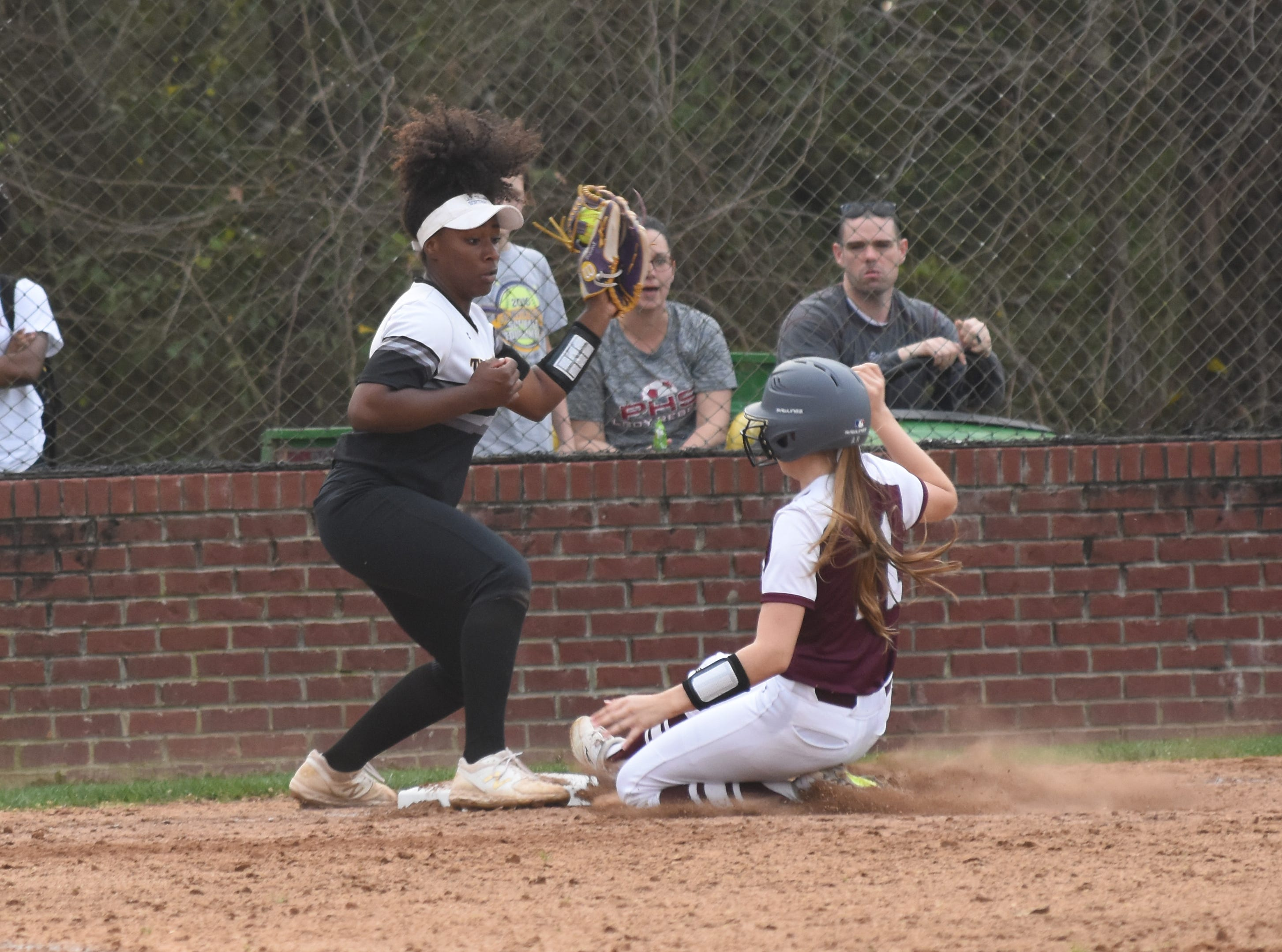 The Pineville High School girls hosted Alexandria Senior High School Thursday, March 14, 2019. Pineville won 4-1.