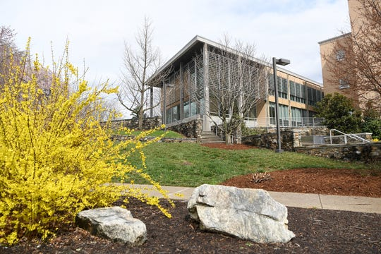 Rhoads Robinson Hall on the campus of UNC Asheville.