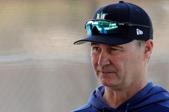Seattle Mariners manager Scott Servais watches during 2019 spring training  in Peoria, Ariz.
