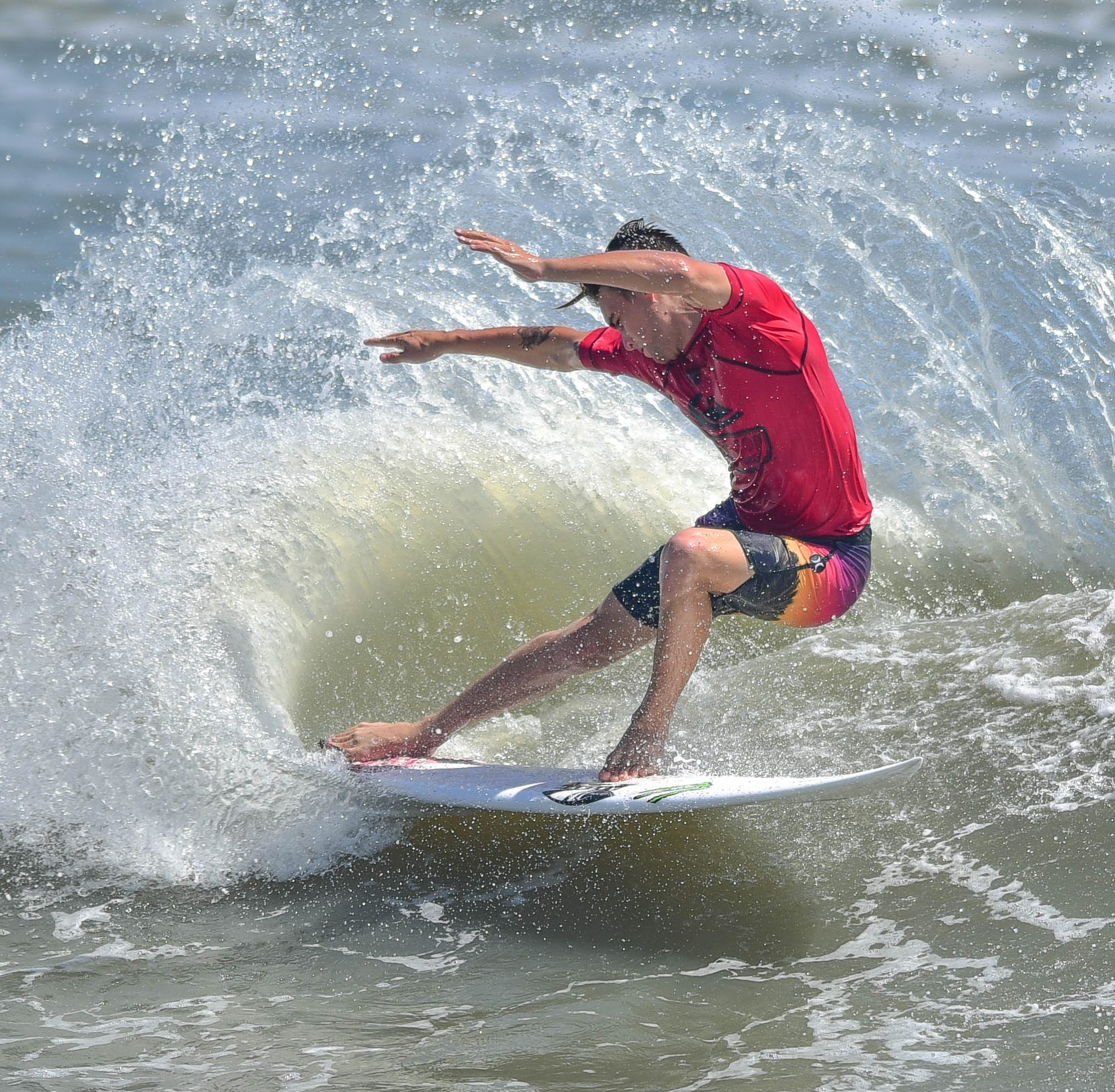Surfing heats up on Day 2 of Beach 'N Boards fest