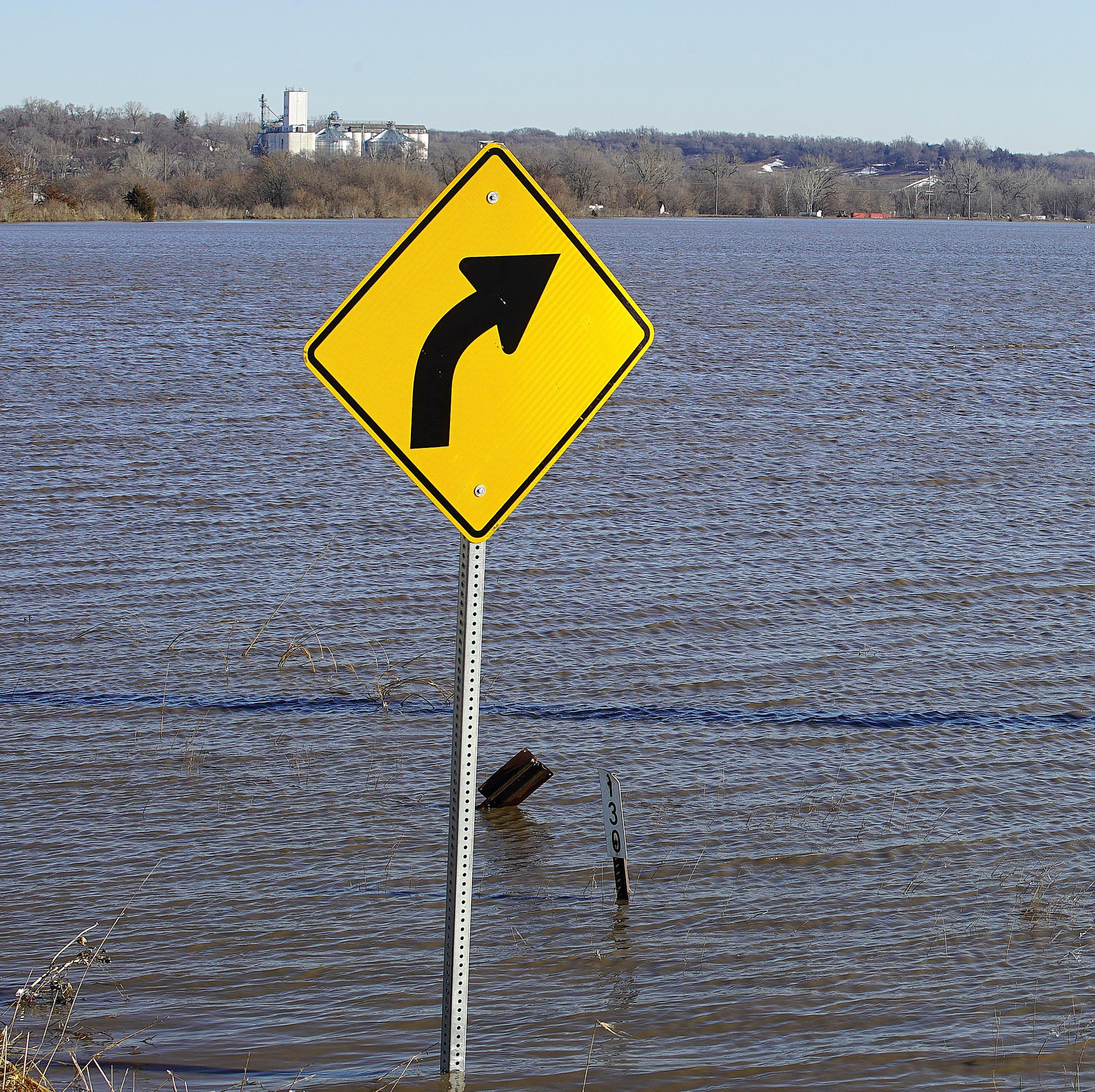Southwest Iowa county declares mandatory evacuation after multiple Missouri River levees fail
