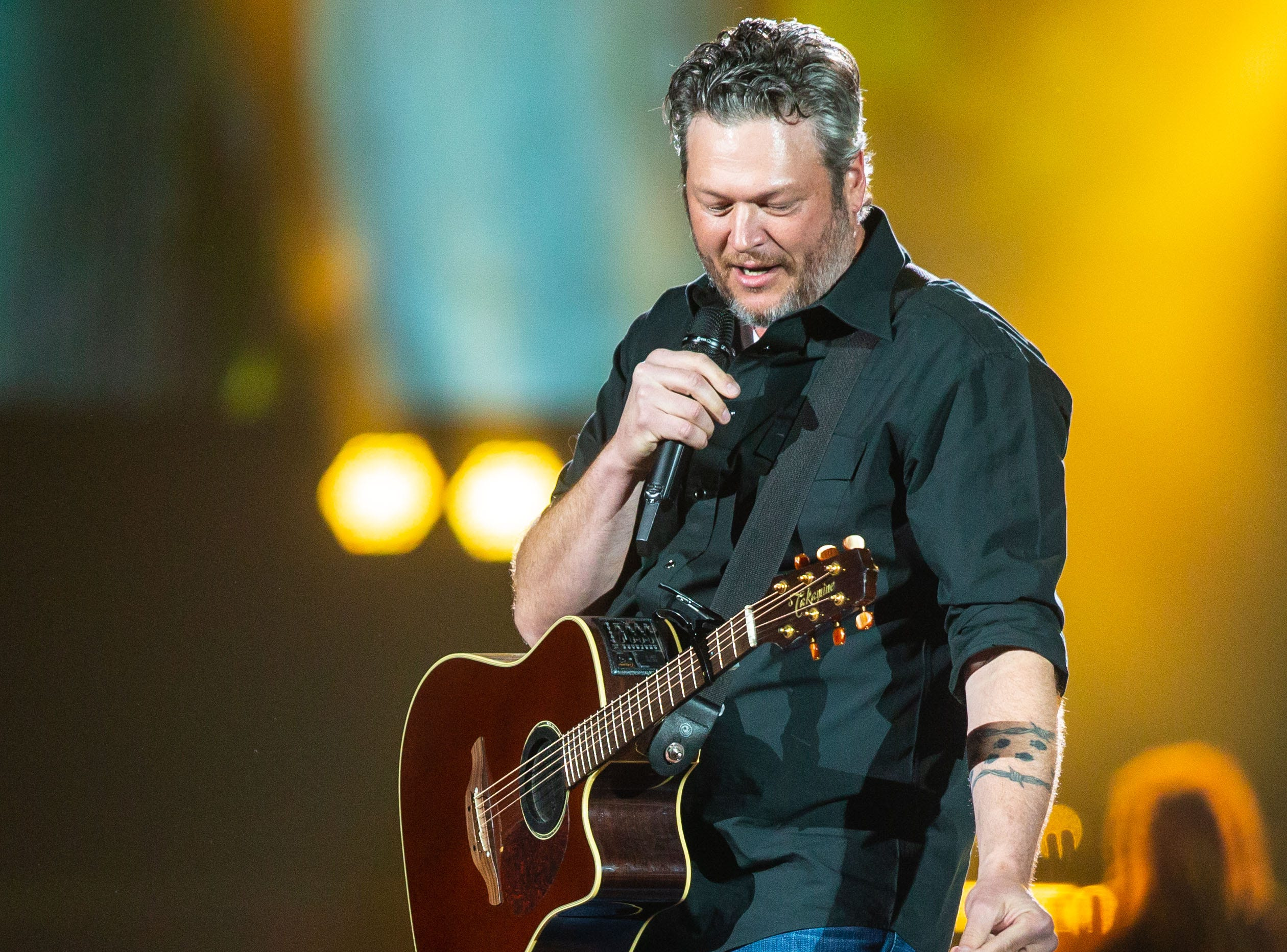Blake Shelton performs at Wells Fargo Arena in Des Moines Thursday, March 14, 2019.