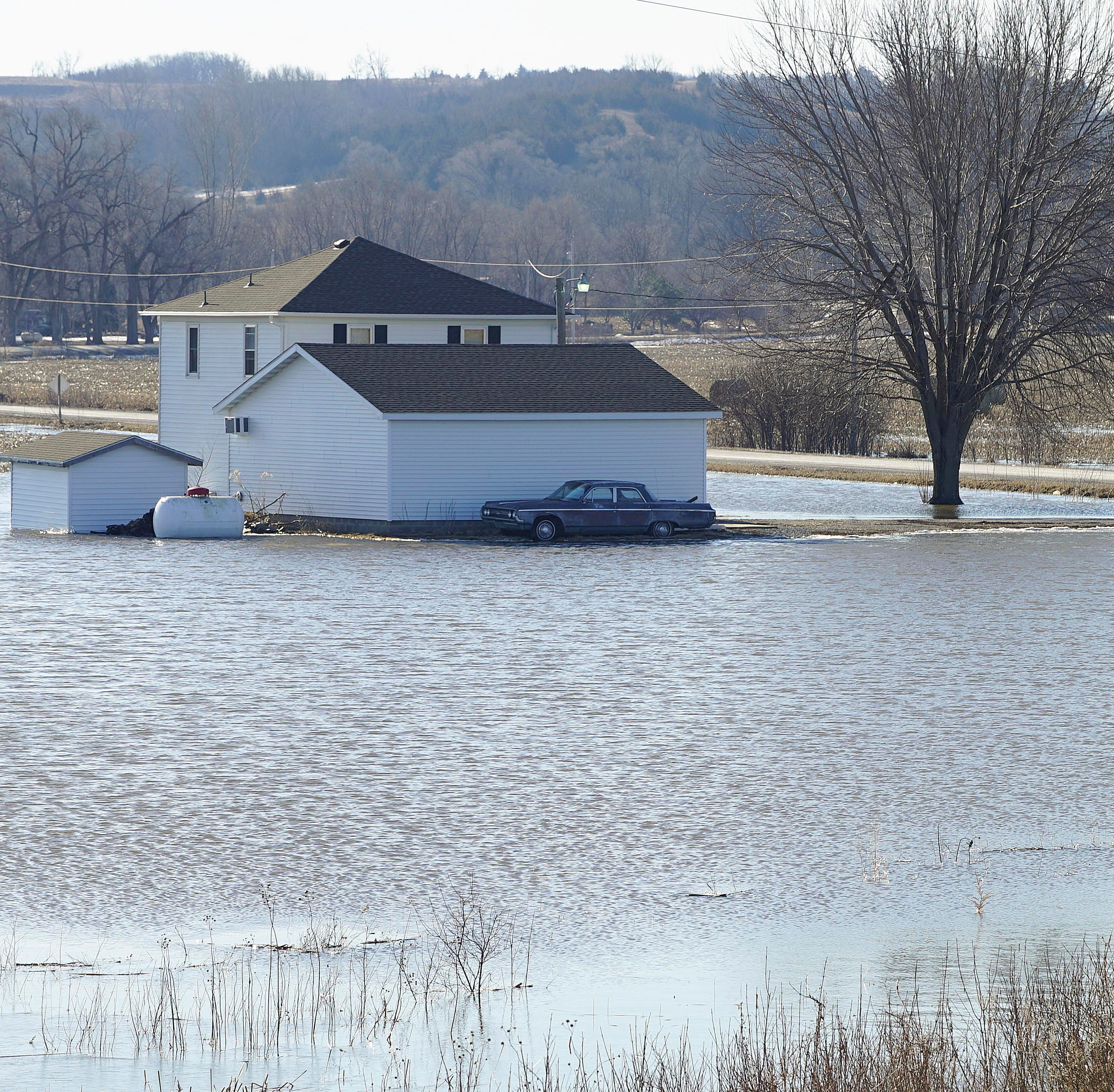 'Everything is underwater': In western Iowa towns, some residents reeling after flood