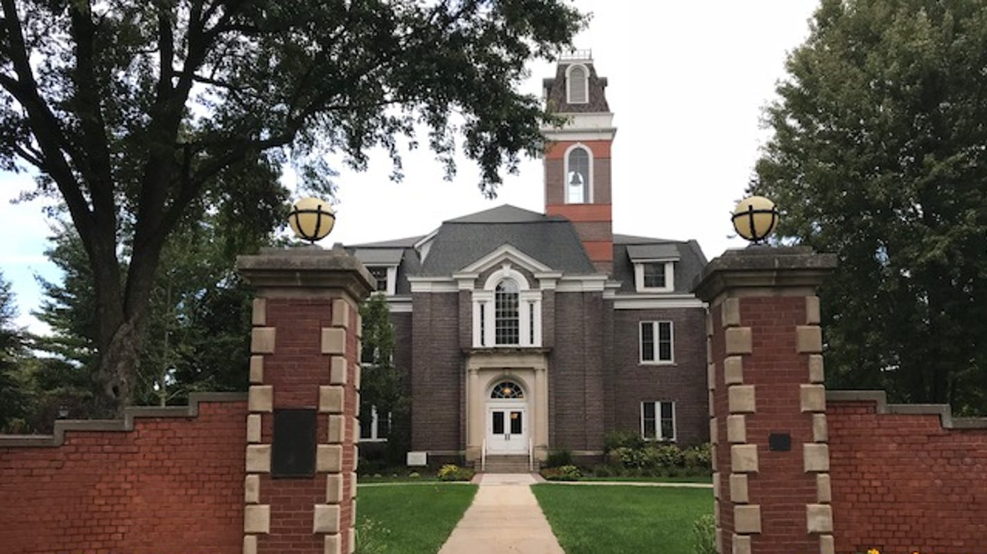 Investigation continues into internet issues at Simpson College that forced officials to cancel classes, student activities