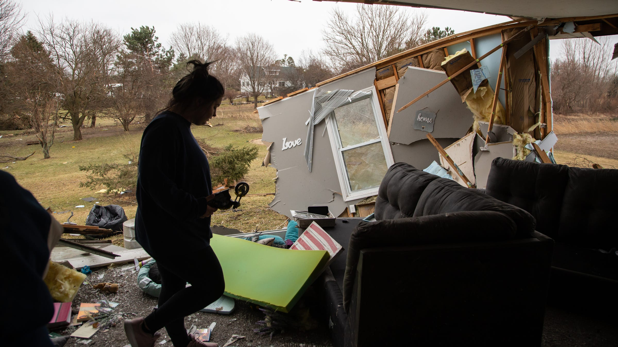 Dozens of structures damaged after tornado hits Shiawassee Co.