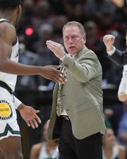 Michigan State coach Tom Izzo instructs during the first half against Ohio State, Friday, March 15, 2019 at the United Center in Chicago.