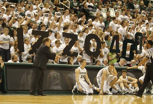 The Izzone made sure no one forgot how many wins Tom Izzo had in the final seconds of his 400th victory on Jan. 25, 2012.
