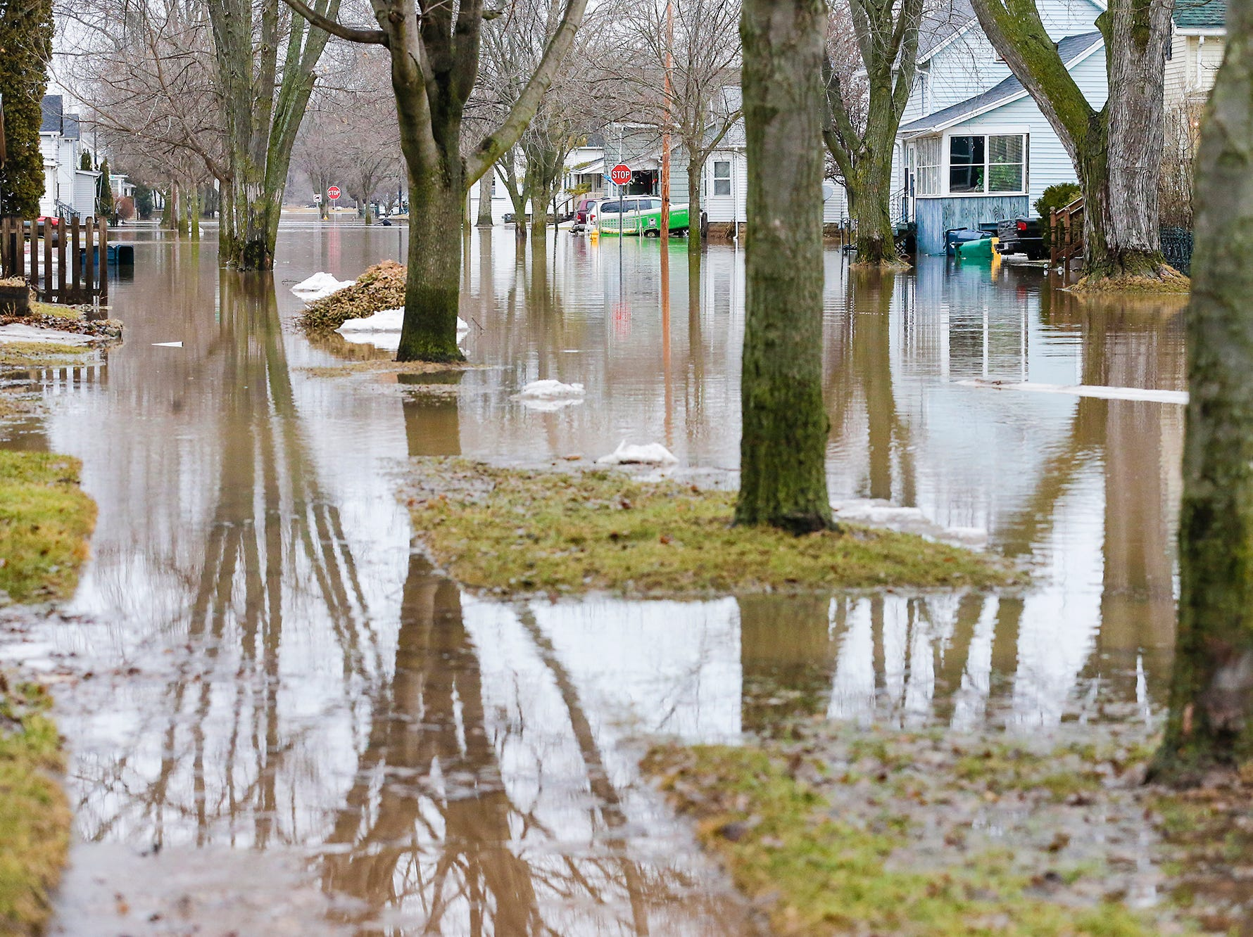 Floodwaters remain Friday, March 15, 2019 in the 100 block of Chestnut Street in Fond du Lac, Wisconsin. Ice jams on the east branch of the Fond du Lac River and heavy rain caused widespread flooding problems in the city on Thursday the 14th. Doug Raflik/USA TODAY NETWORK-Wisconsin