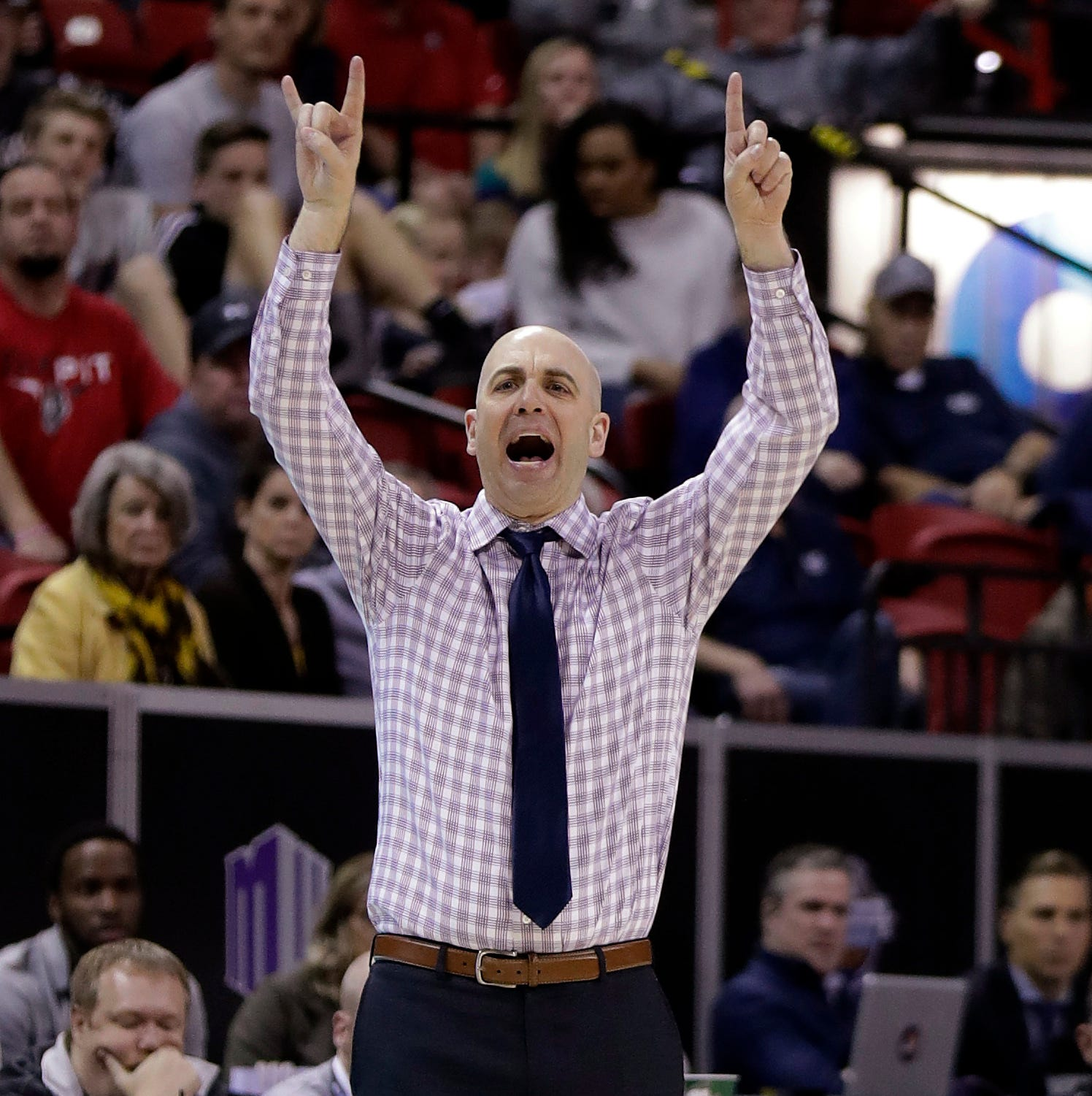 Former CSU assistant Craig Smith has Utah State fans buzzing as Aggies close in on NCAA tournament