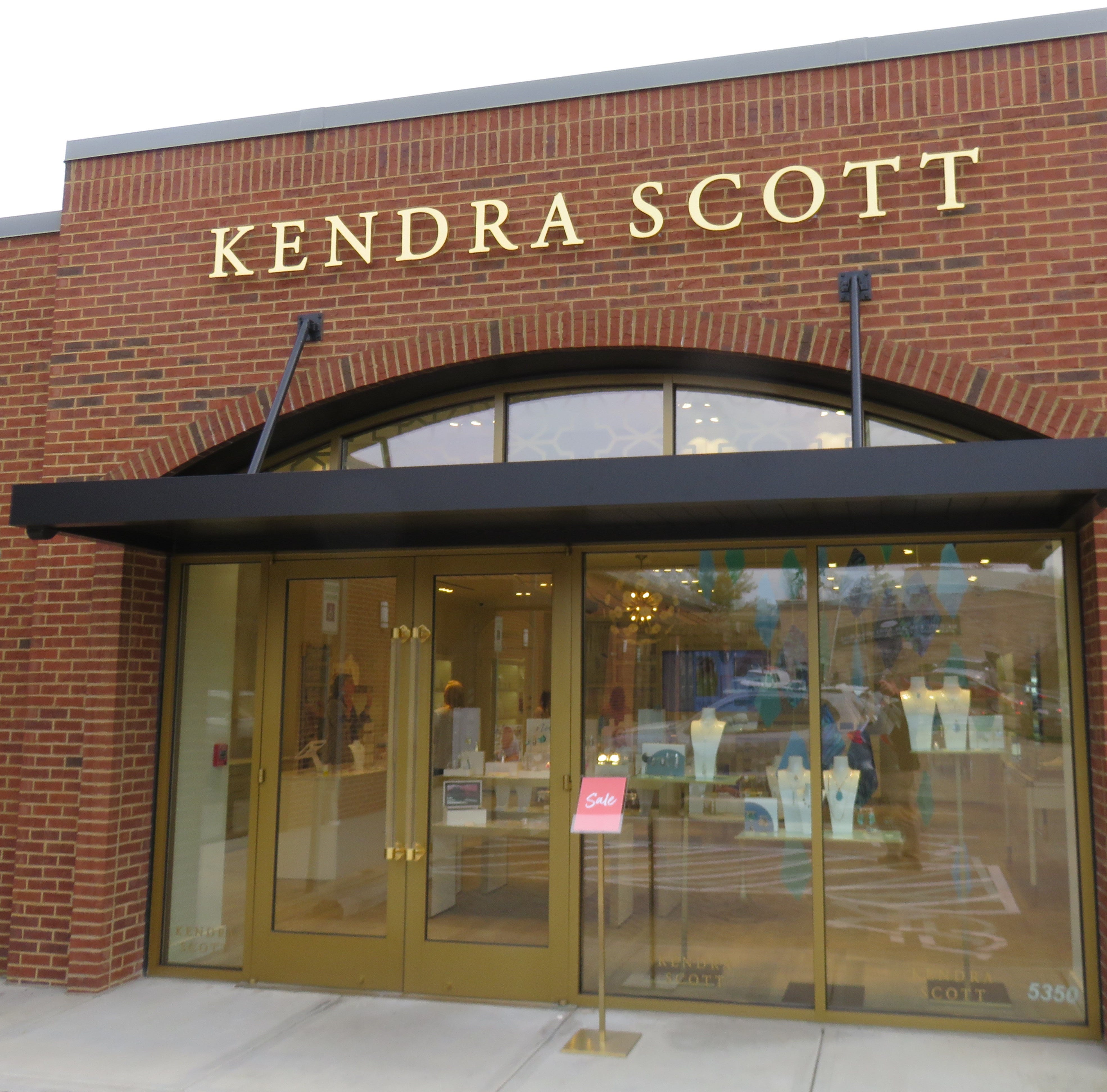Kendra Scott custom jewelers opens Knoxville store