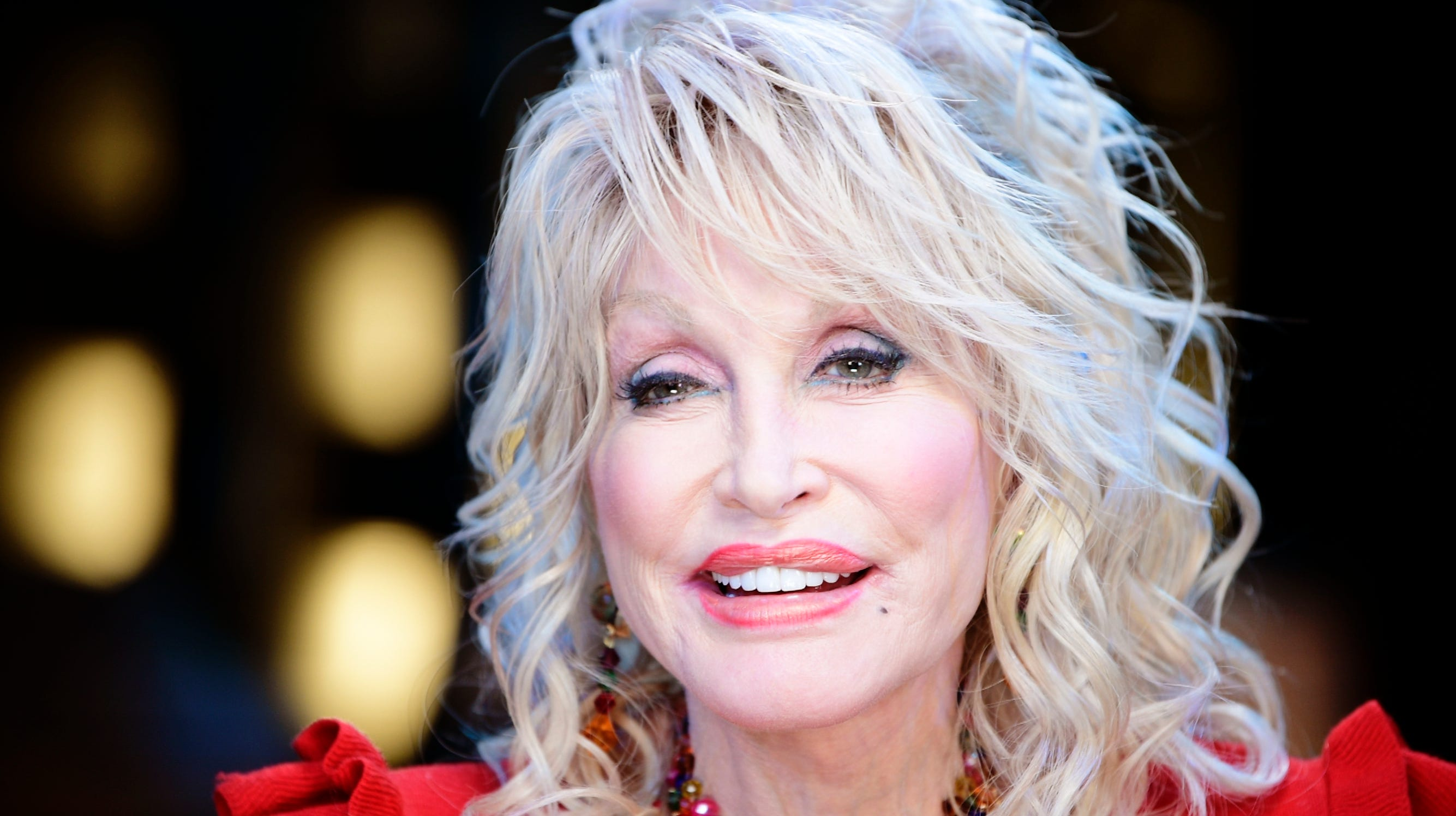'Only fitting': Dolly Parton donates $200,000 to Sevier County volunteer fire departments
