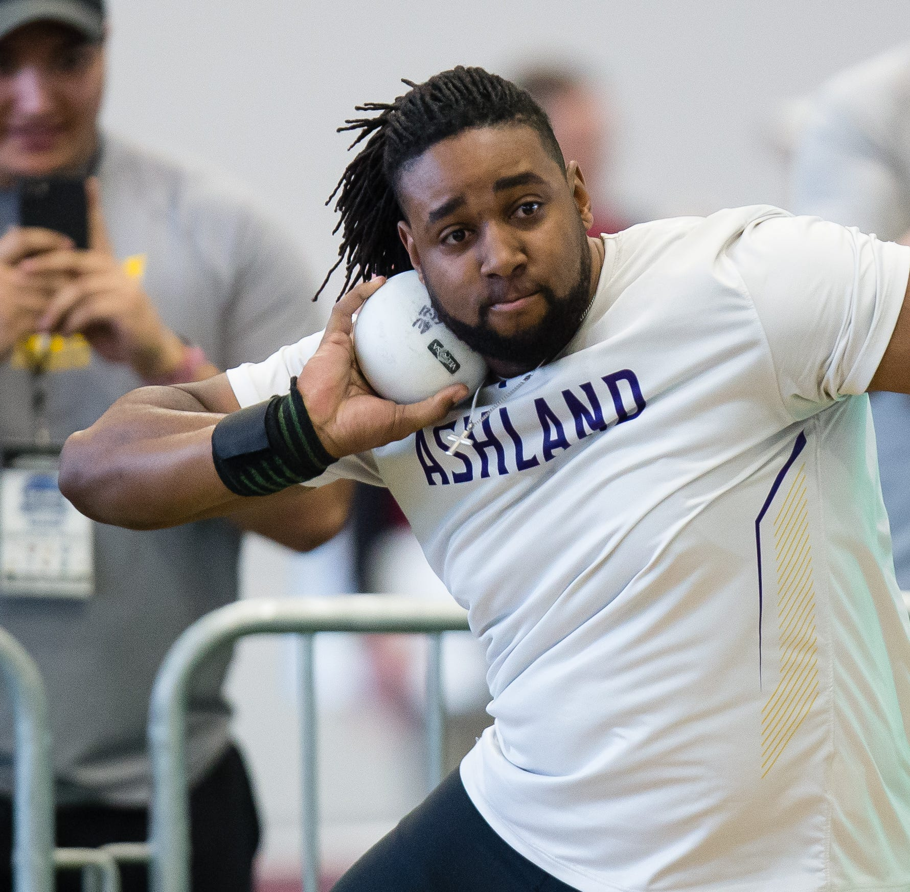 National champs: AU Eagles win indoor track title by .01