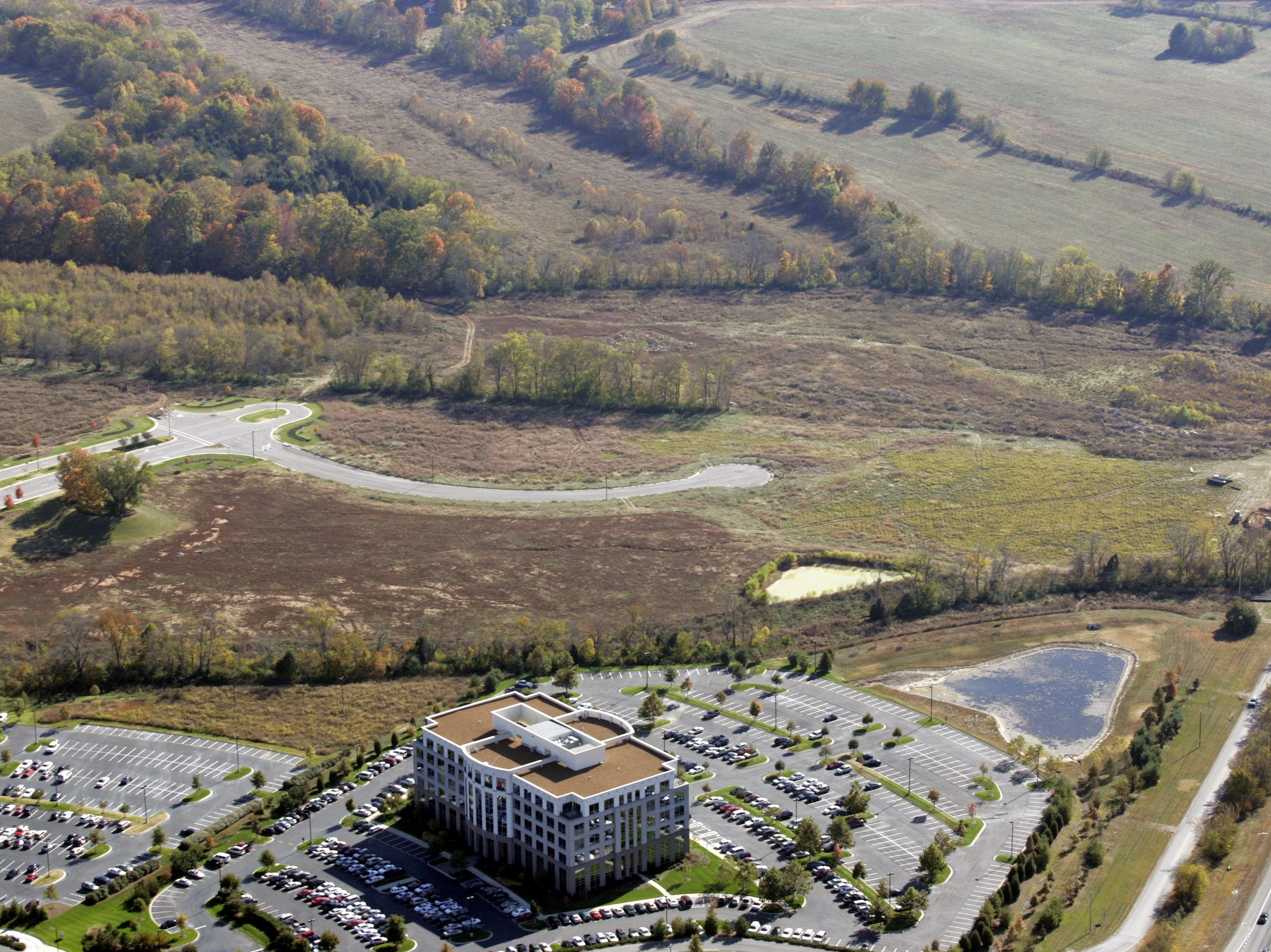 People familiar with the Nashville office market said the site for a Nissan headquarters in 2005 probably was within developer Crescent Resources' 277-acres development south of Cool Springs Parkway near Interstate 65.-