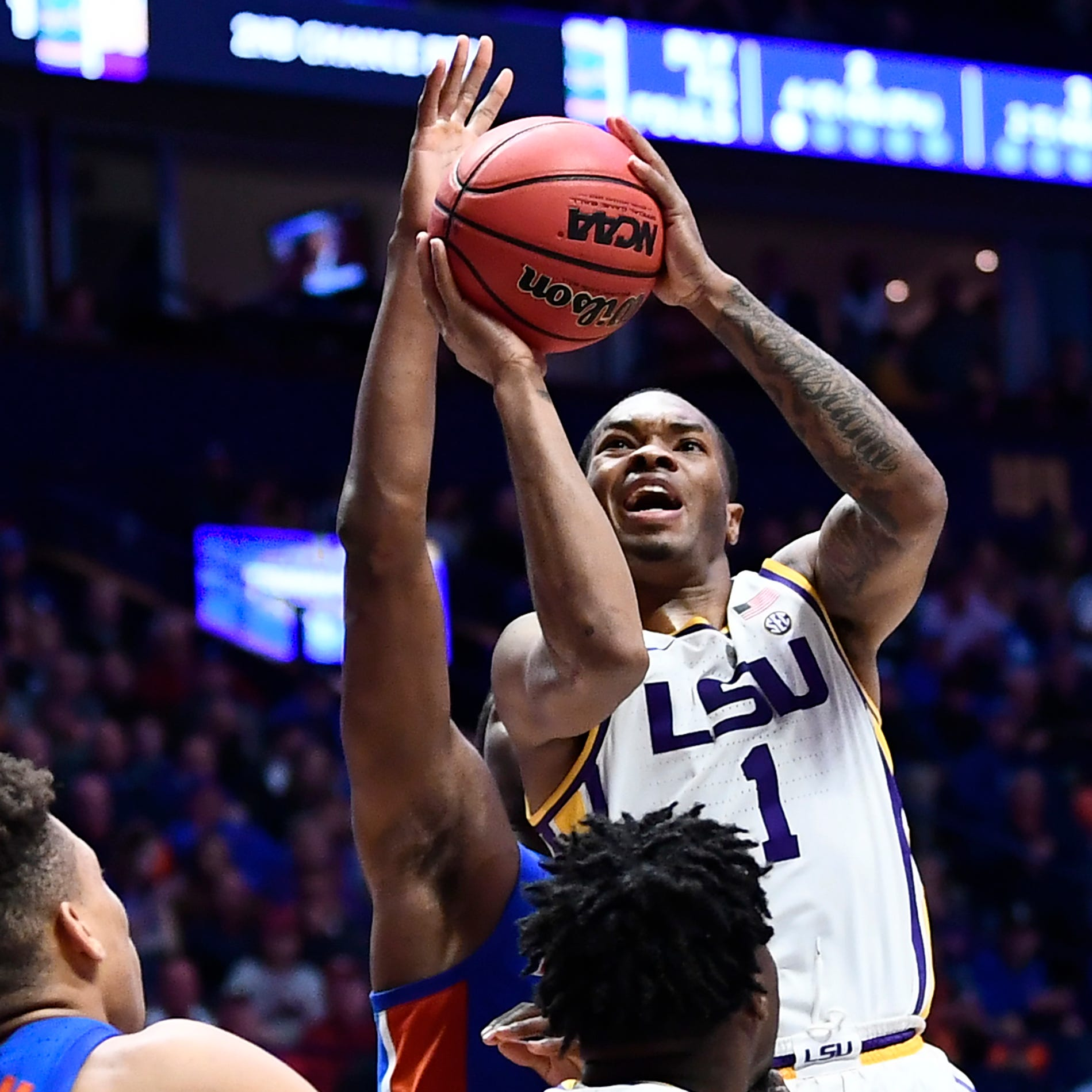 Smart returns for LSU and scores 13, but not enough for win over Florida in SEC Tournament