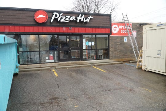 This new Pizza Hut station, with limited seating, will soon open at the southwest corner of Ford and Sheldon Roads.