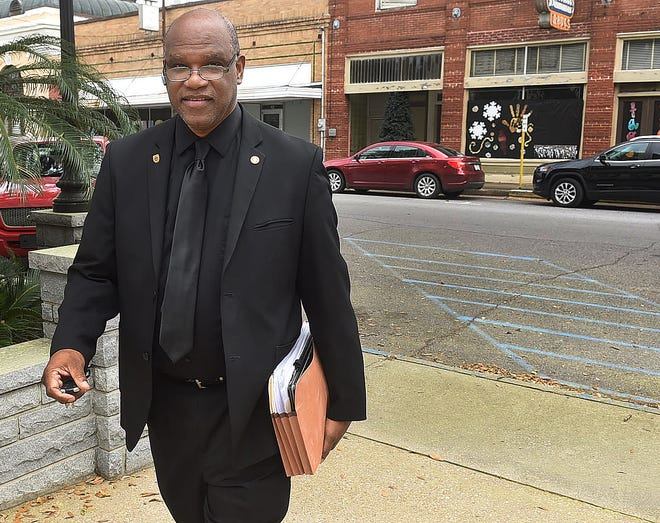 The trial for former Opelousas Mayor Reggie Tatum, who is facing forgery, theft and malfeasance charges, is scheduled to begin Thursday.